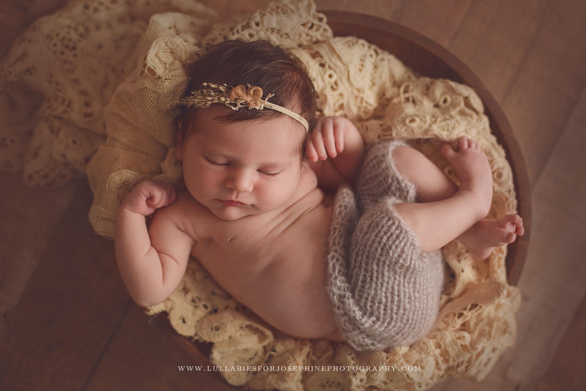 Lincoln-Park-NJ-Newborn-Photographer-Lace-Girl-Wool-Bowl-Wood-Headband