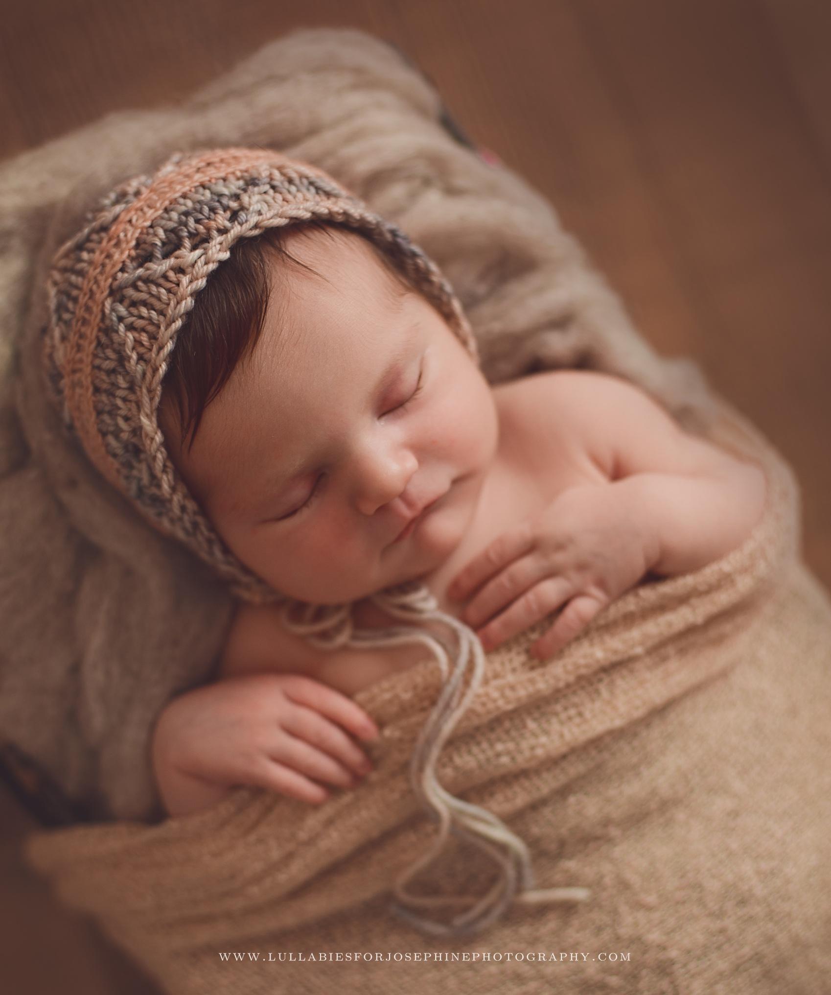 Lincoln Park-NJ-Newborn-photographer-bonnet-peach-knit-baby-sleep
