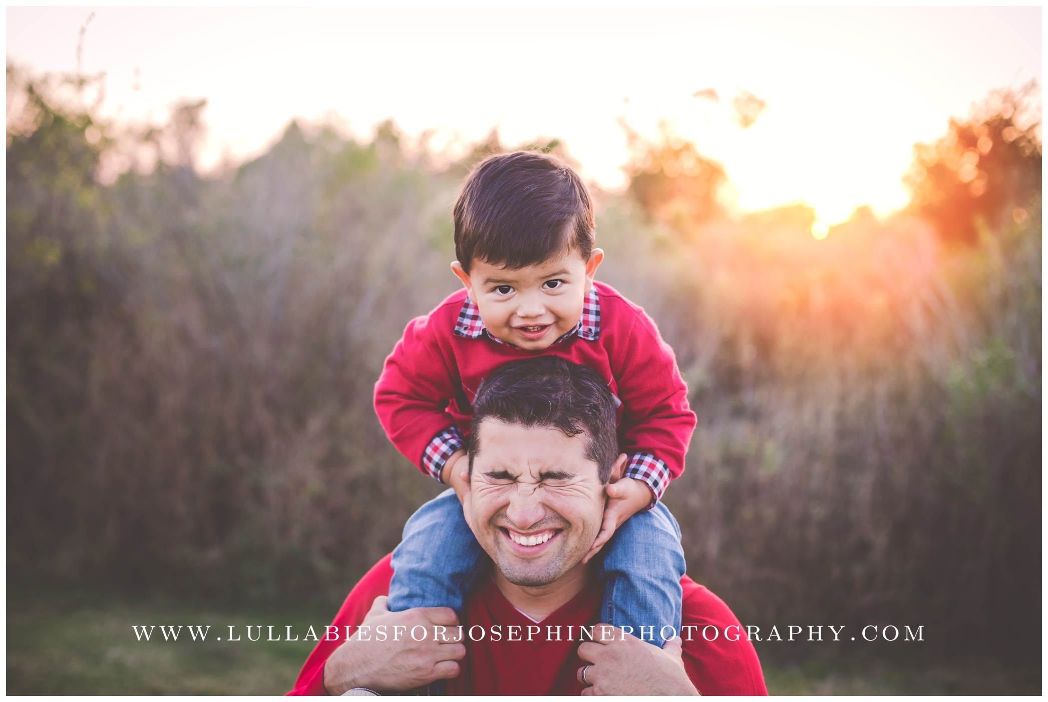 Morris-County-Family-Photographer-Family-Mini-Sessions-Red-Winter-Photos-Outdoor-Sunset