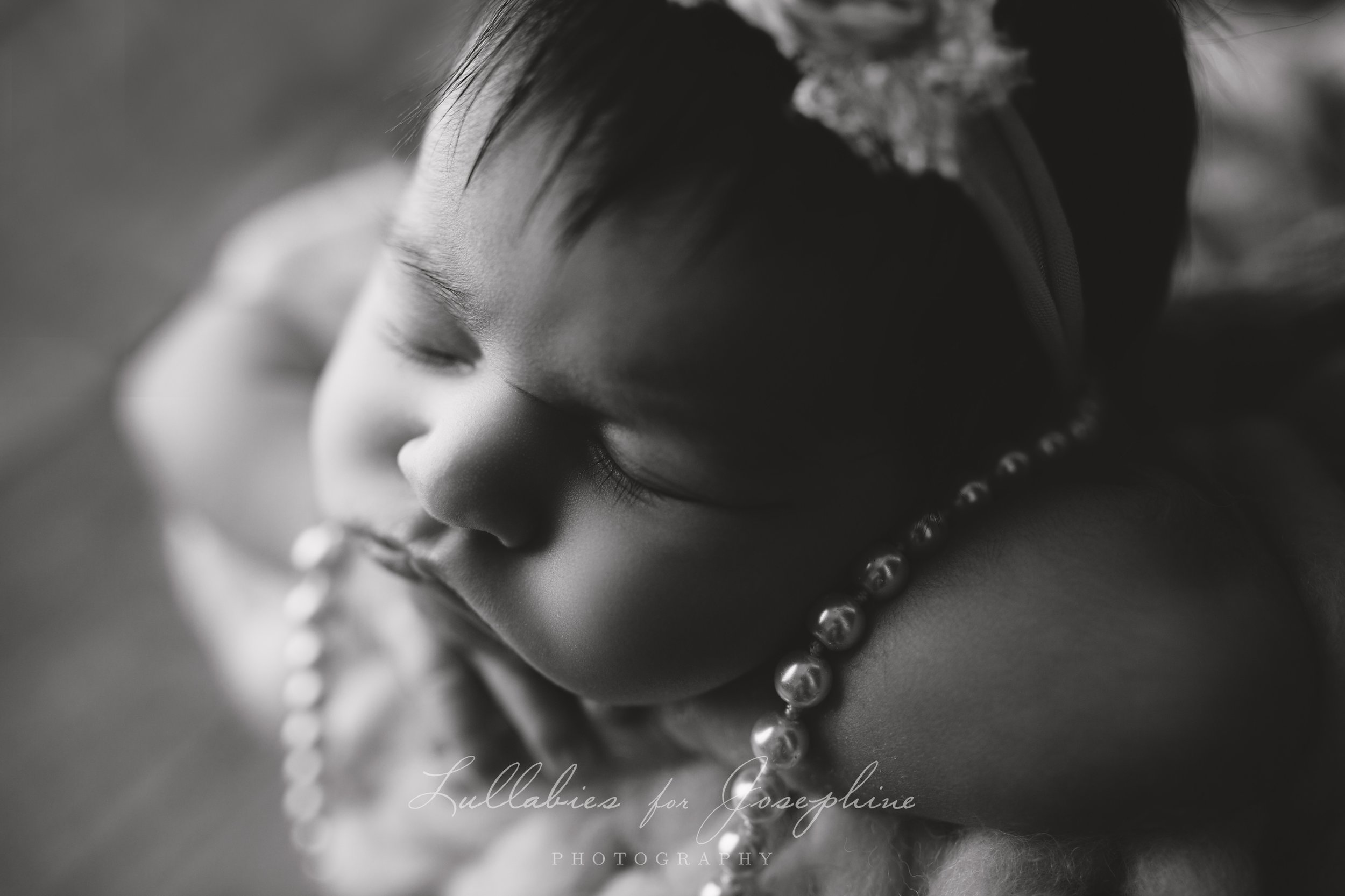 Morris-County-NJ-Baby-photographer-black and white-pearls