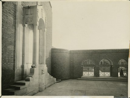 The Court Yard & Portico taken in 1932 shortly after the Church opened  © Chambré Hardman Collection