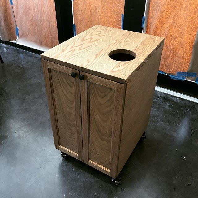 Custom Mobile cabinet with solid oak counter and doors with Walnut stain✅ Need a custom cabinetry piece made? Call or send us an email for more info. ➖ ➖ ➖ #miamicncrouter #interior #art #cnccutting #architecture #interiordesign #engravings #wynwood #prototyping #brickell #interiordecor #instagood #millwork #beautiful #design #commercial #installation #walnut #workshop #name #marketing #decor #wallart #cabinetry #custom #event #miami #oak #cabinet