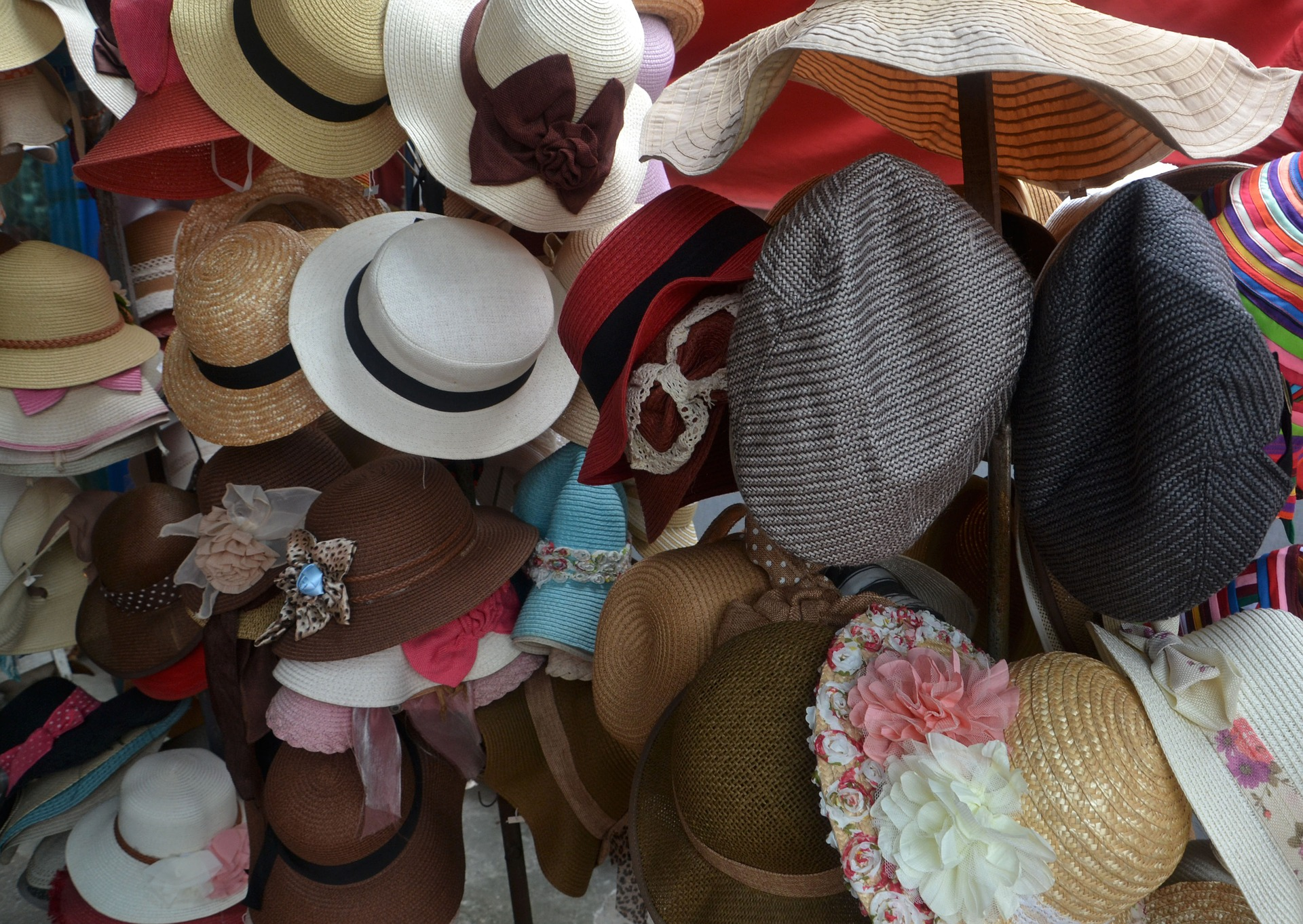 hats-1023709_1920.jpg