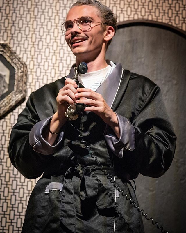 The smile you get when you hear there are still plenty of tickets left for today's performance of Anything Goes. Ticket link in bio or available at the door! Box Office opens at 1:00pm. House opens at 2:00pm. Curtain at 2:30. #knoxvilletheatre #beardenhighschool #coleporter #anythinggoes 📸 @pattigooge