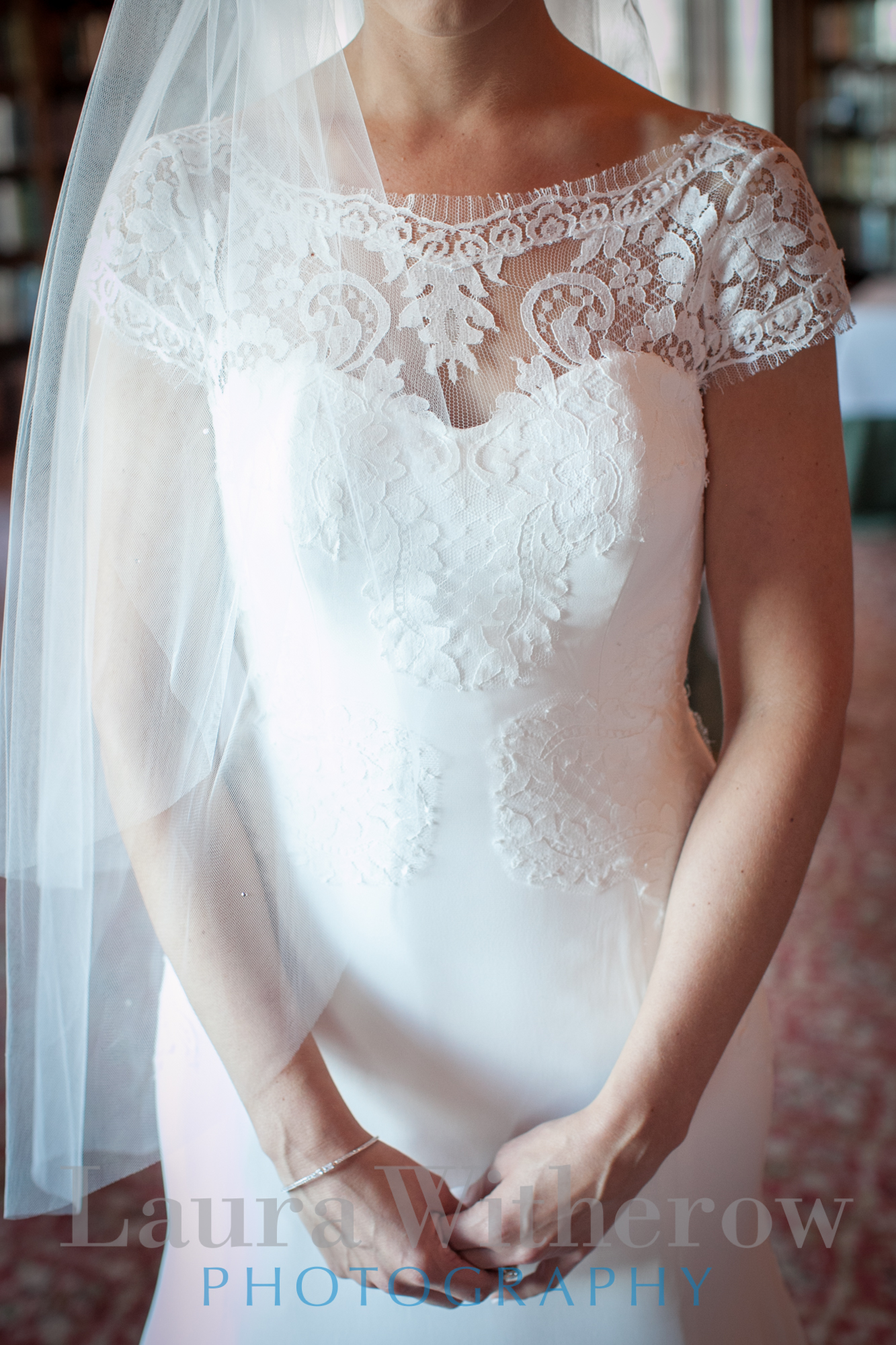 lace wedding gown chicago
