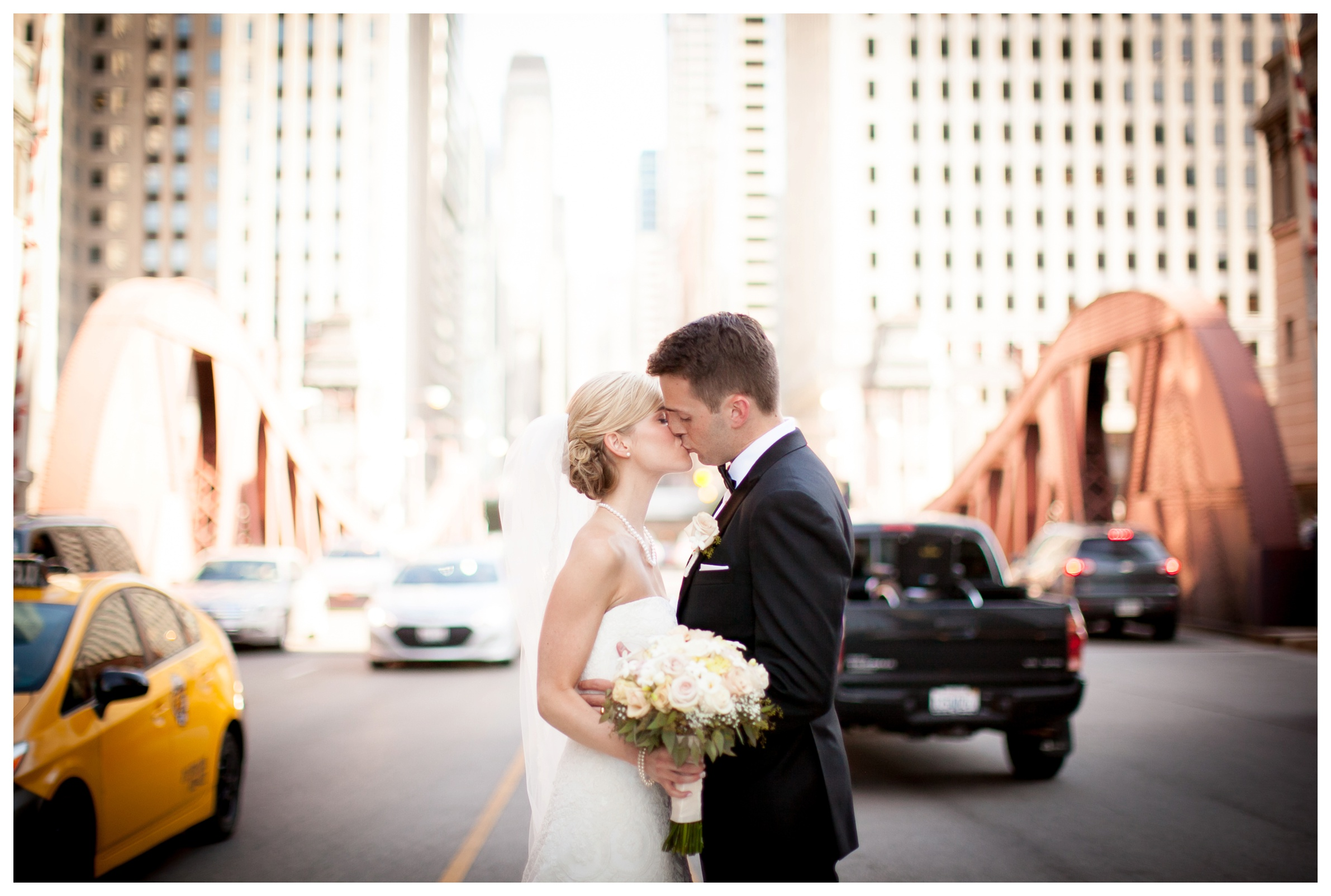 chicago-bridges-wedding-pictures
