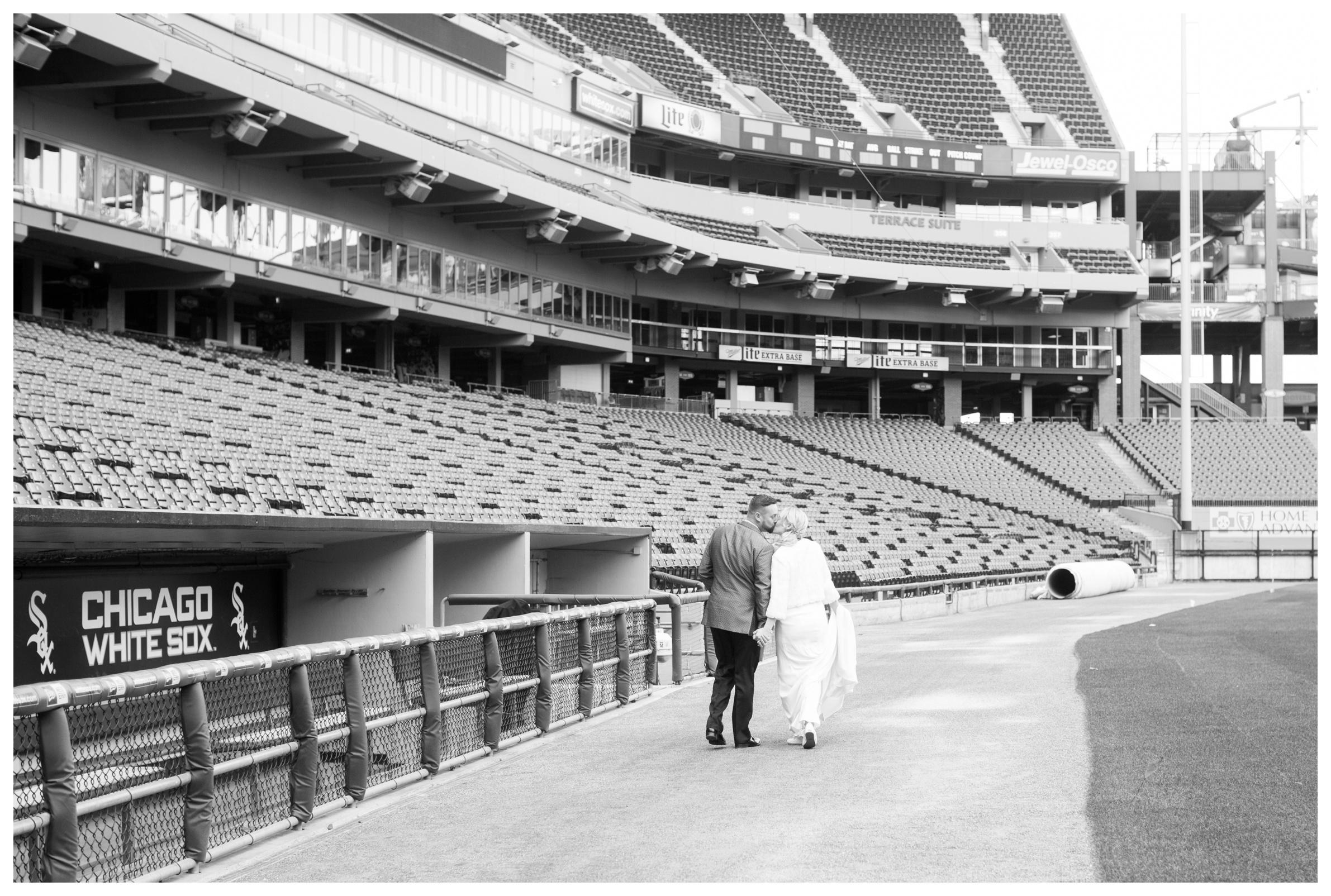 white-sox-baseball-wedding-photographer