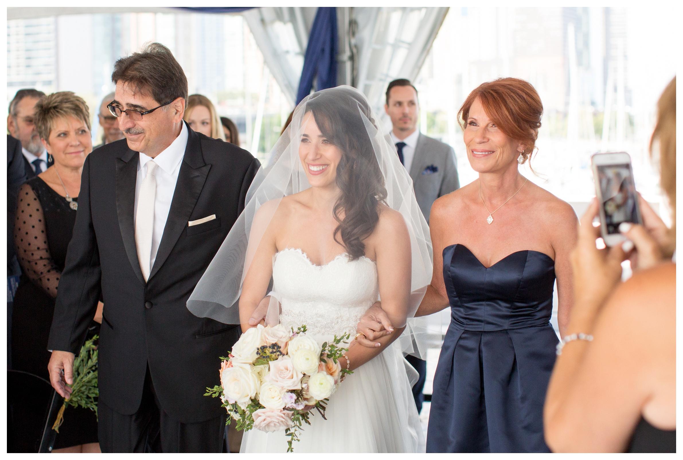 columbia-yacht-club-chicago-wedding_0017.jpg