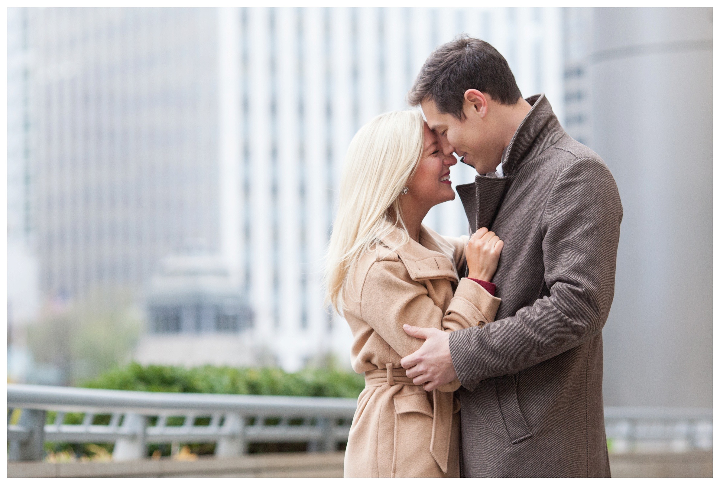 riverwalk-chicago-engagement-pictures