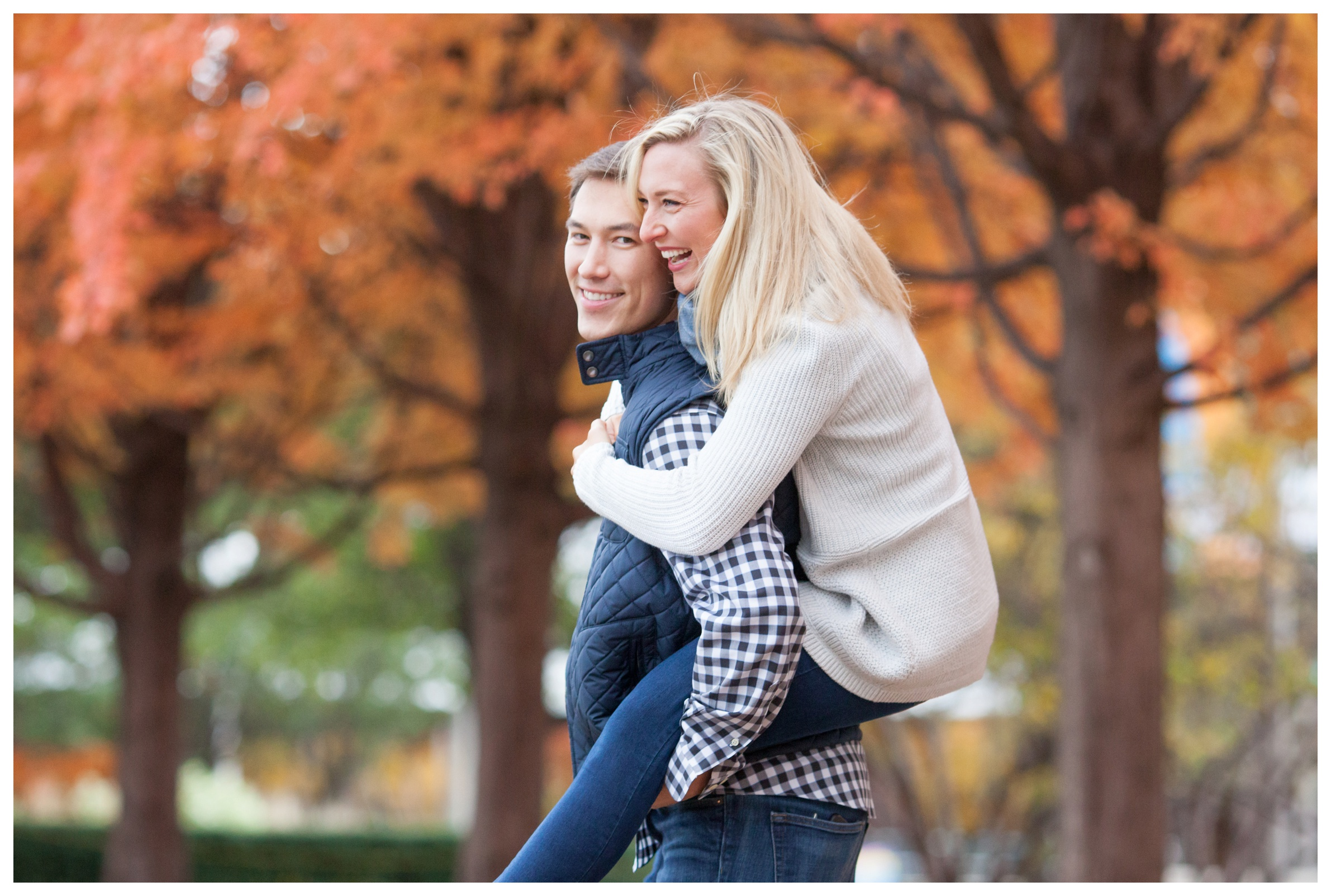 best-fall-engagement-photos-chicago