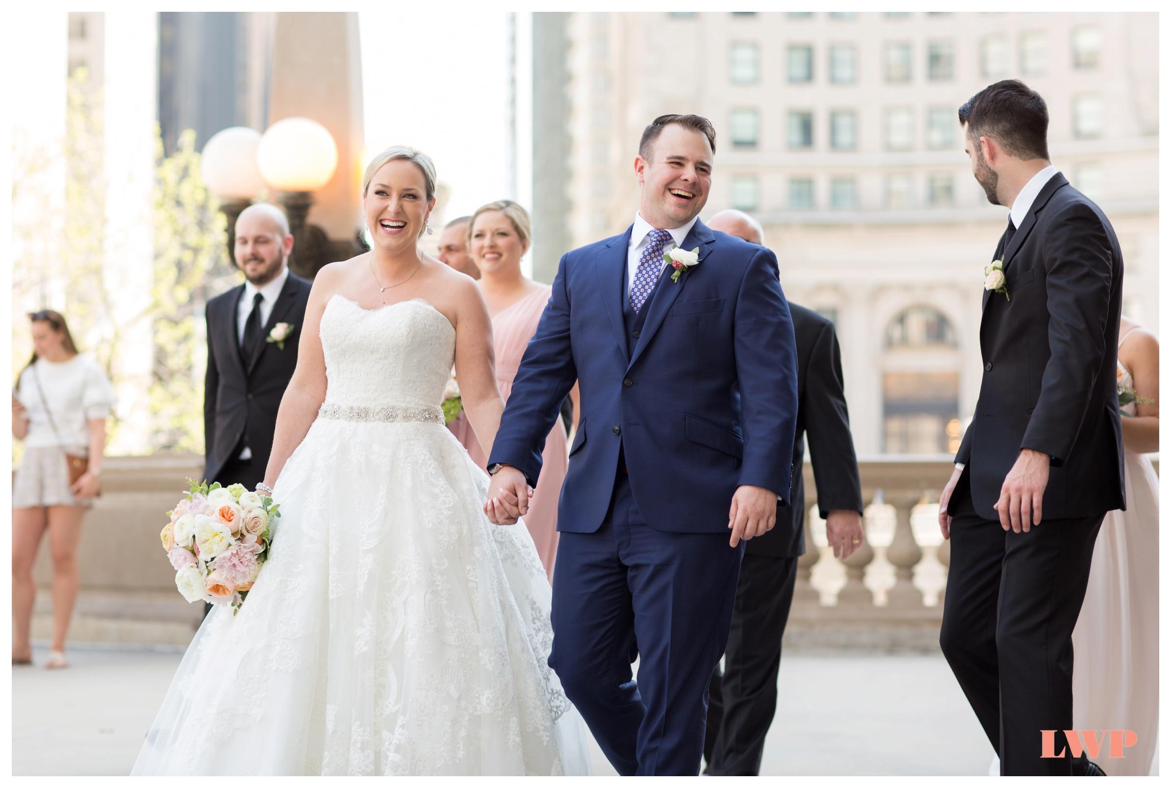 wrigley-building-chicago-wedding-photos