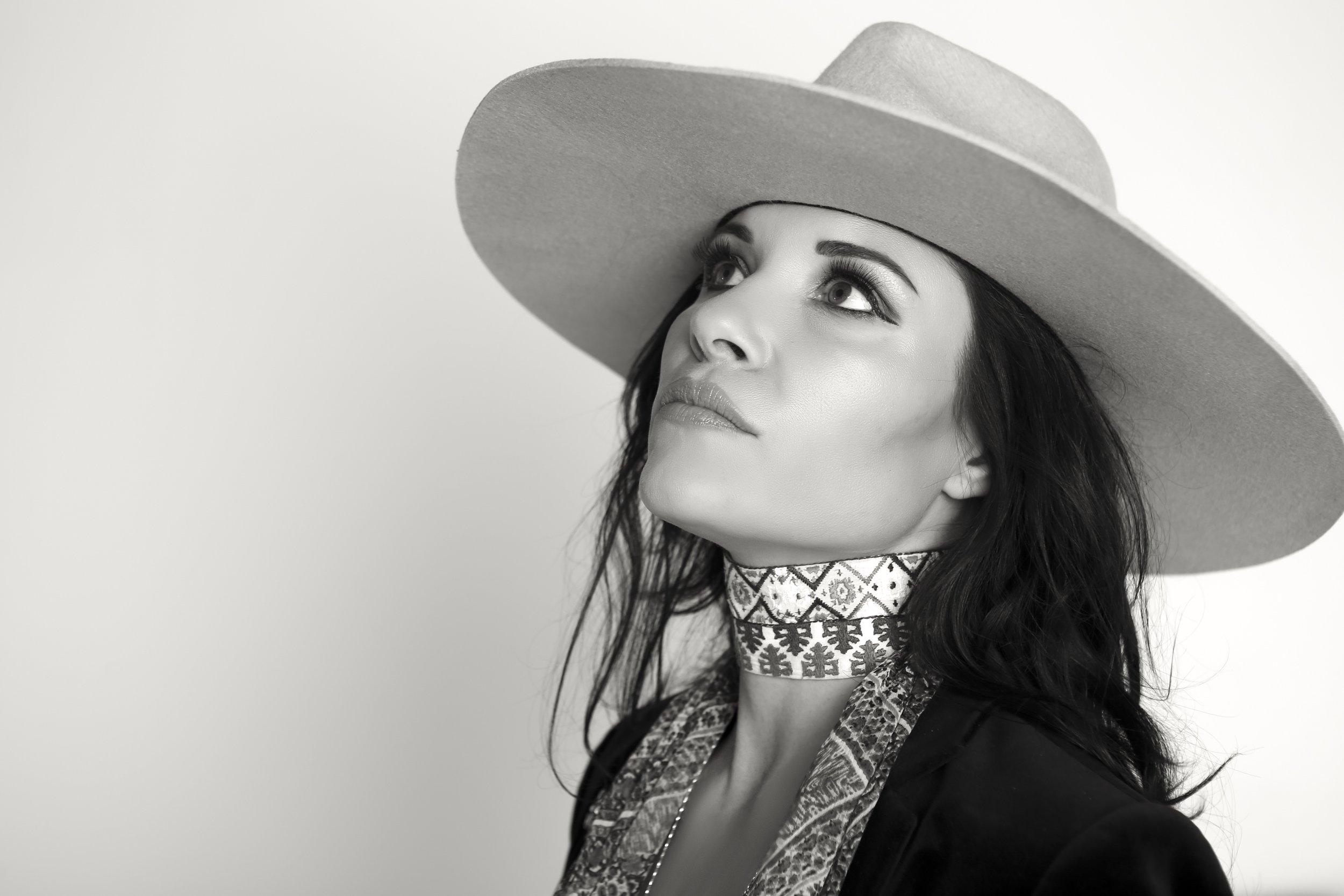 Grammy nominated artist Shannon McNally.