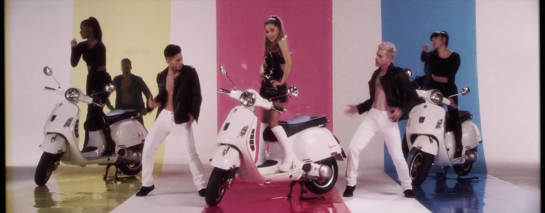 Ariana Grande - Vespa Setup 2.png