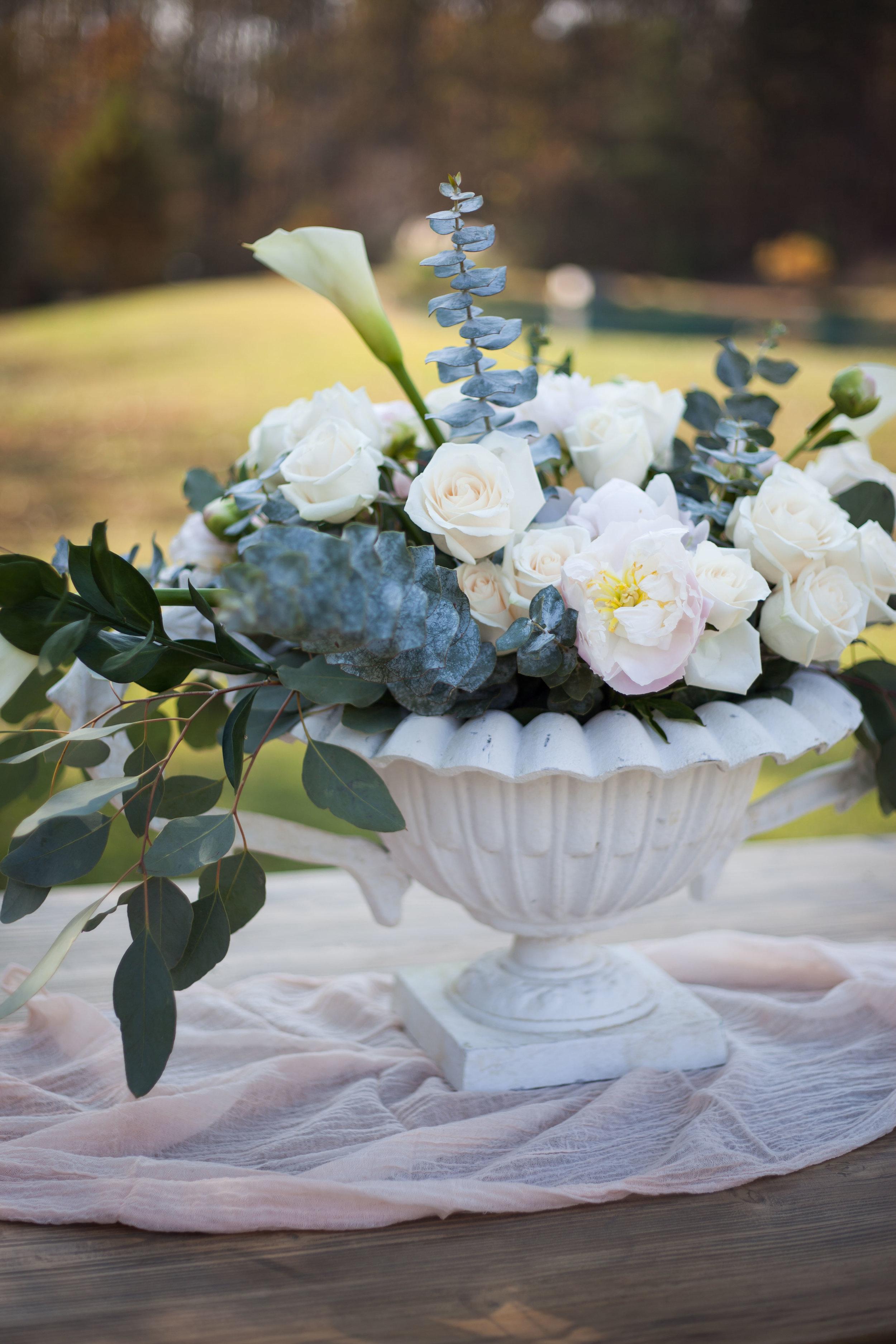 Royal White Urns