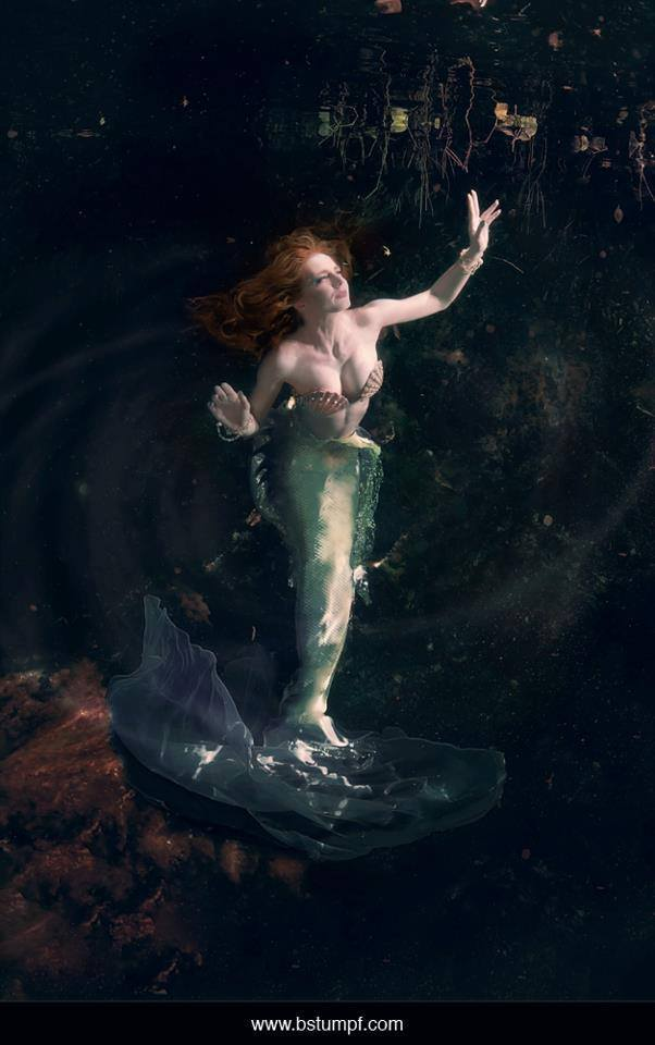 Virginia Hankins Brenda Stumpf Green Mermaid Underwater.jpg