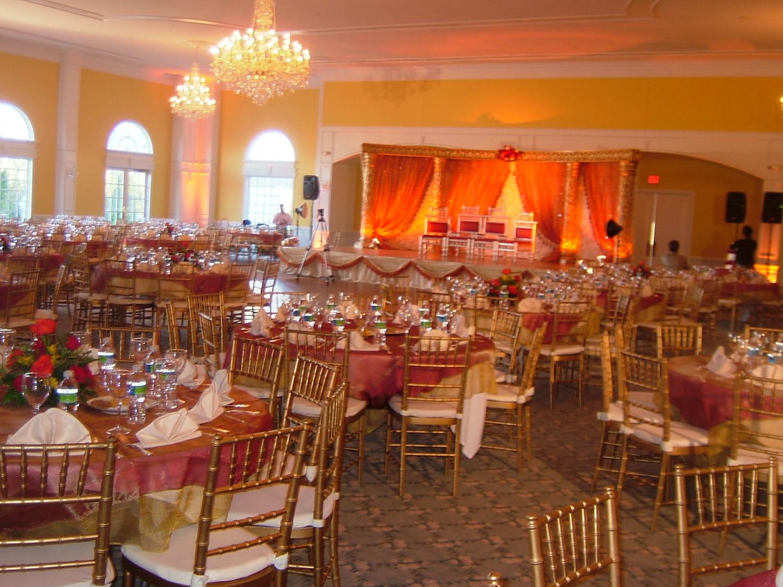 ballroom-red-tablecloths.JPG