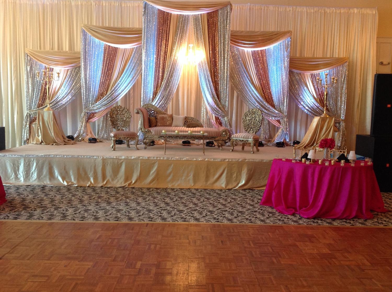 ballroom-stage-pink-table.JPG