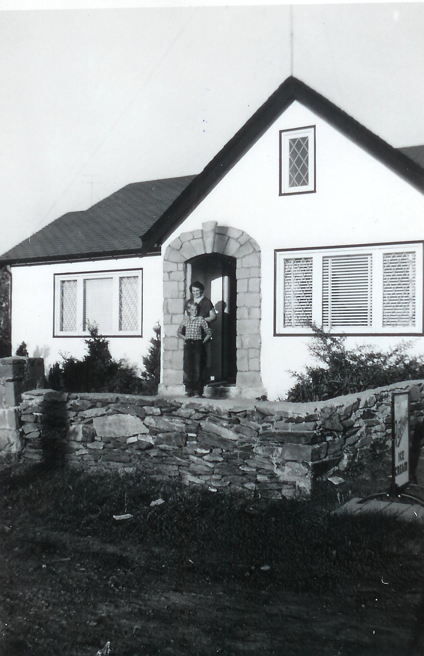 Mum and Freddie Pringle Sept 22 1957.jpg