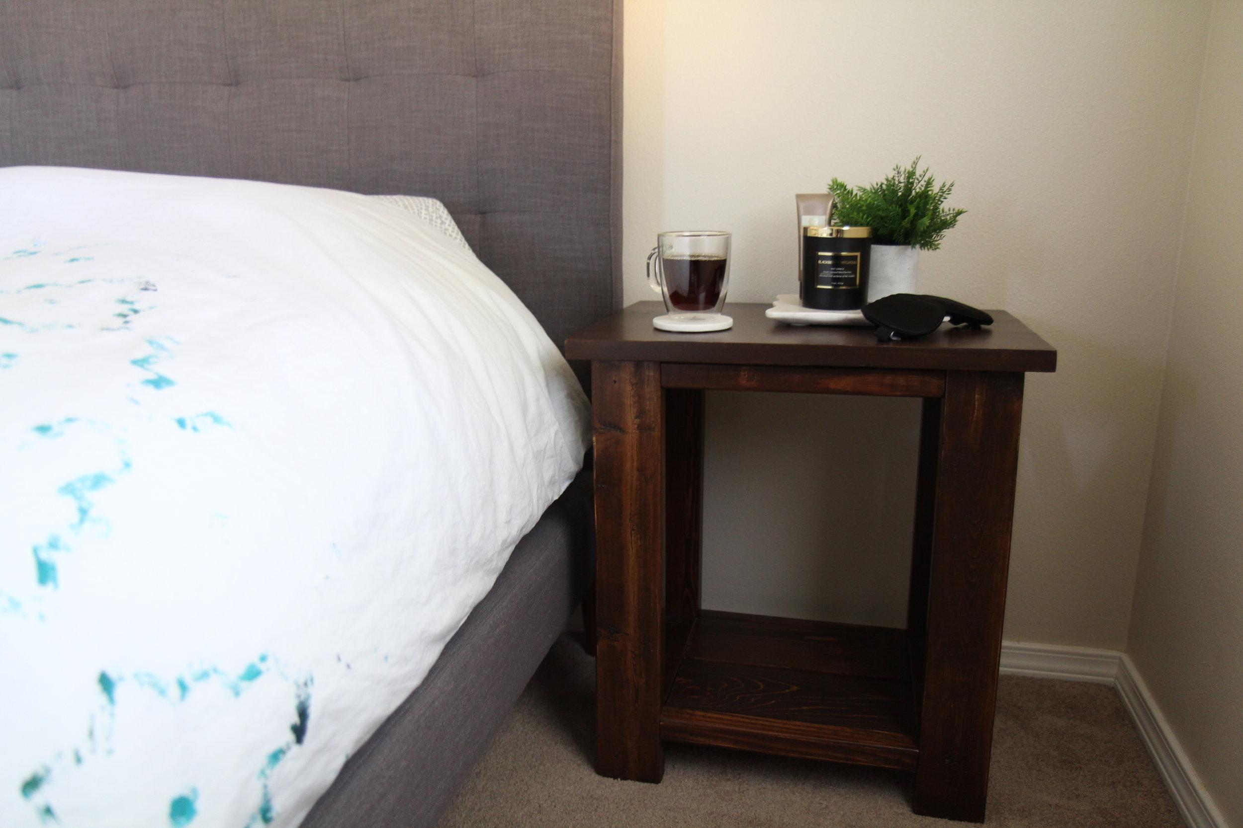 right_nightstand
