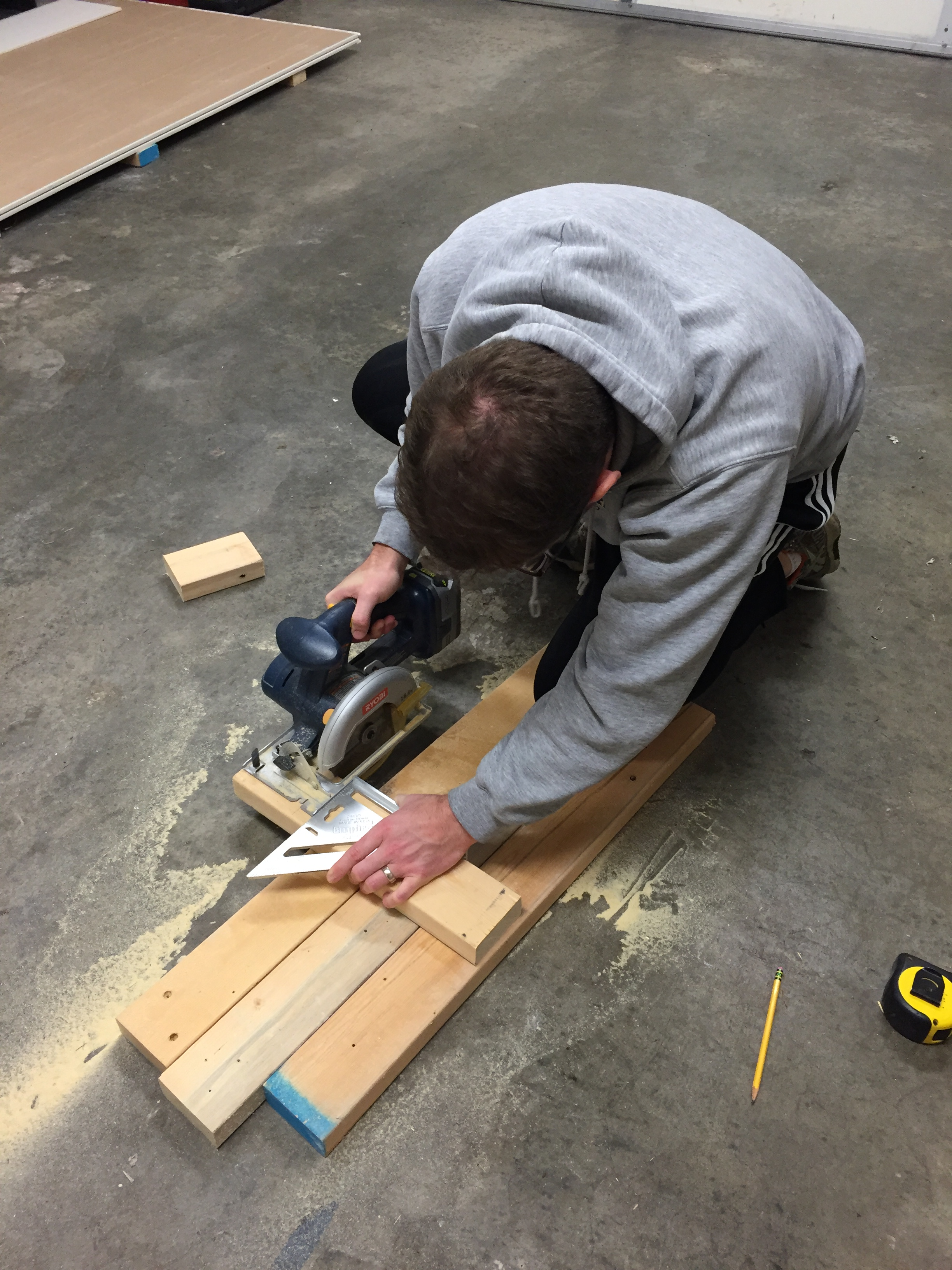 Cutting with a circular saw and speed square