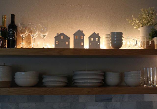 Oh holy night ⭐️ #floatingshelves #shelfie #christmasdecorations #christmasdecor