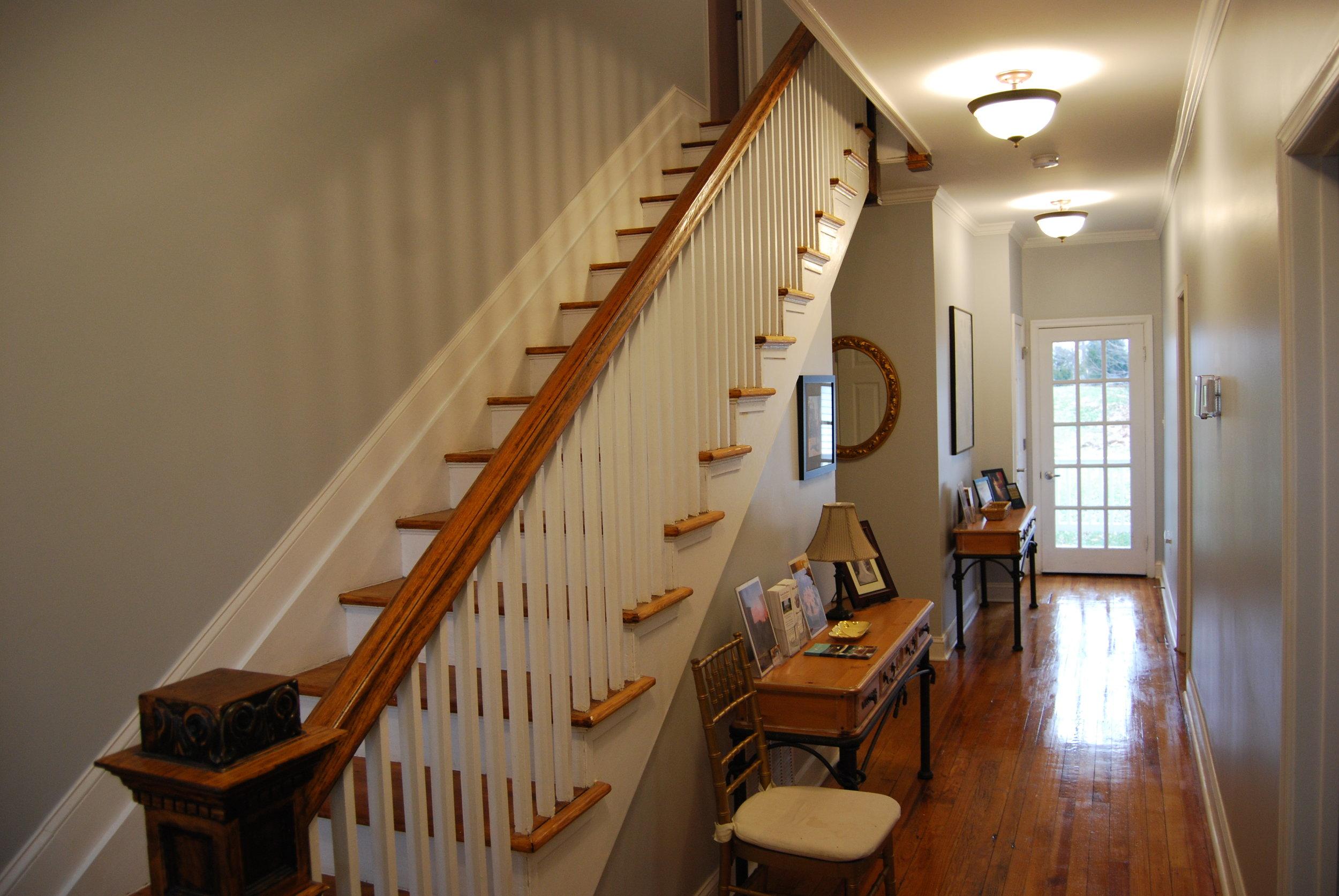 downstairs hallway 2.JPG