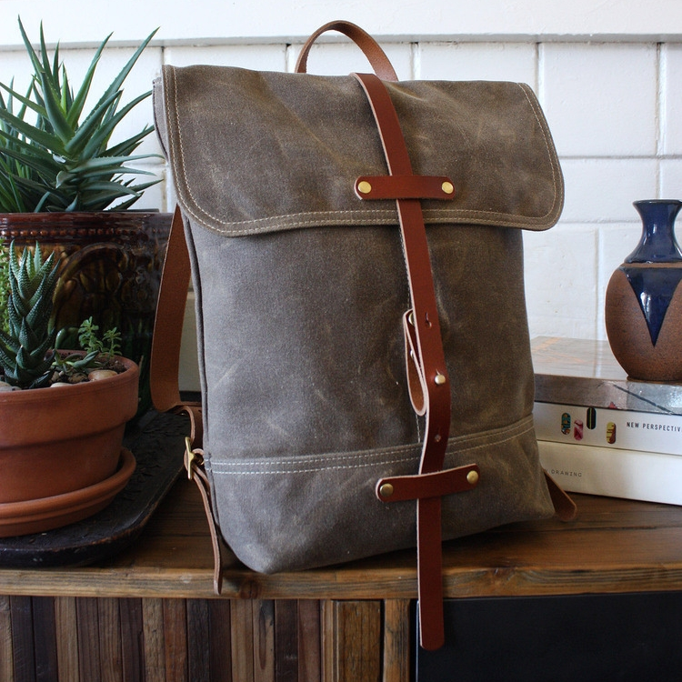 "<h2><a href=""http://www.lyonhartbags.com/shop/minipack"">Lyonhart Bags Minipack, $212</a></h2>"