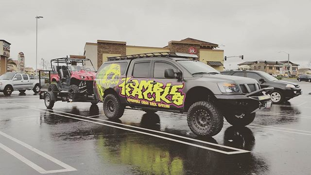 #kingofthehammers 2017 was a success! Had a great time meeting some new friends and checking out all of the crazy antics #Koh has to offer. Back to reality on Monday and already counting down the days till next year!  #Offroad #Hammers #Ultra4 #RockBouncers #RockCrawler #Racing #Racks #Desert #utv
