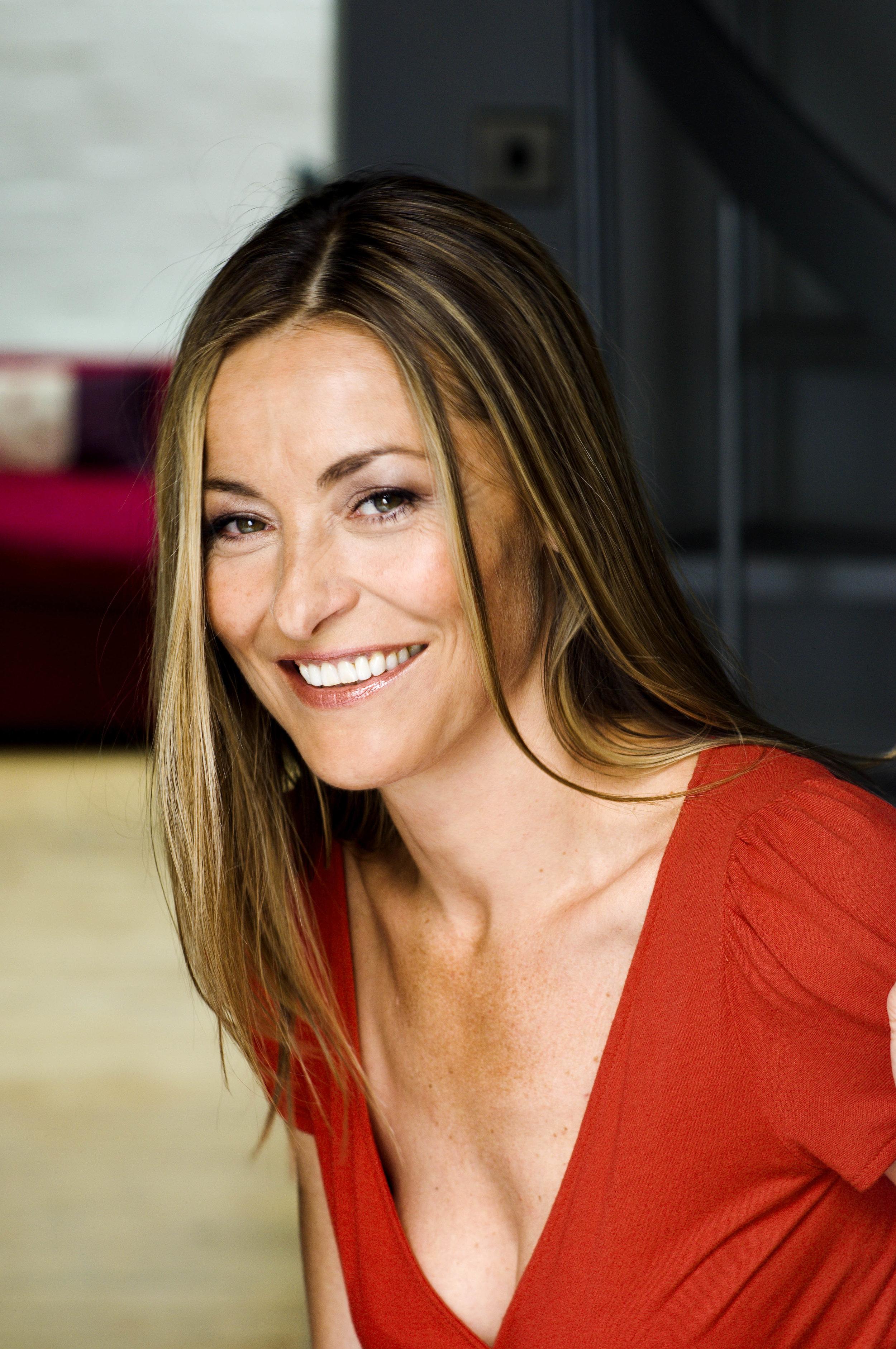 Amanda Donohoe - Actress