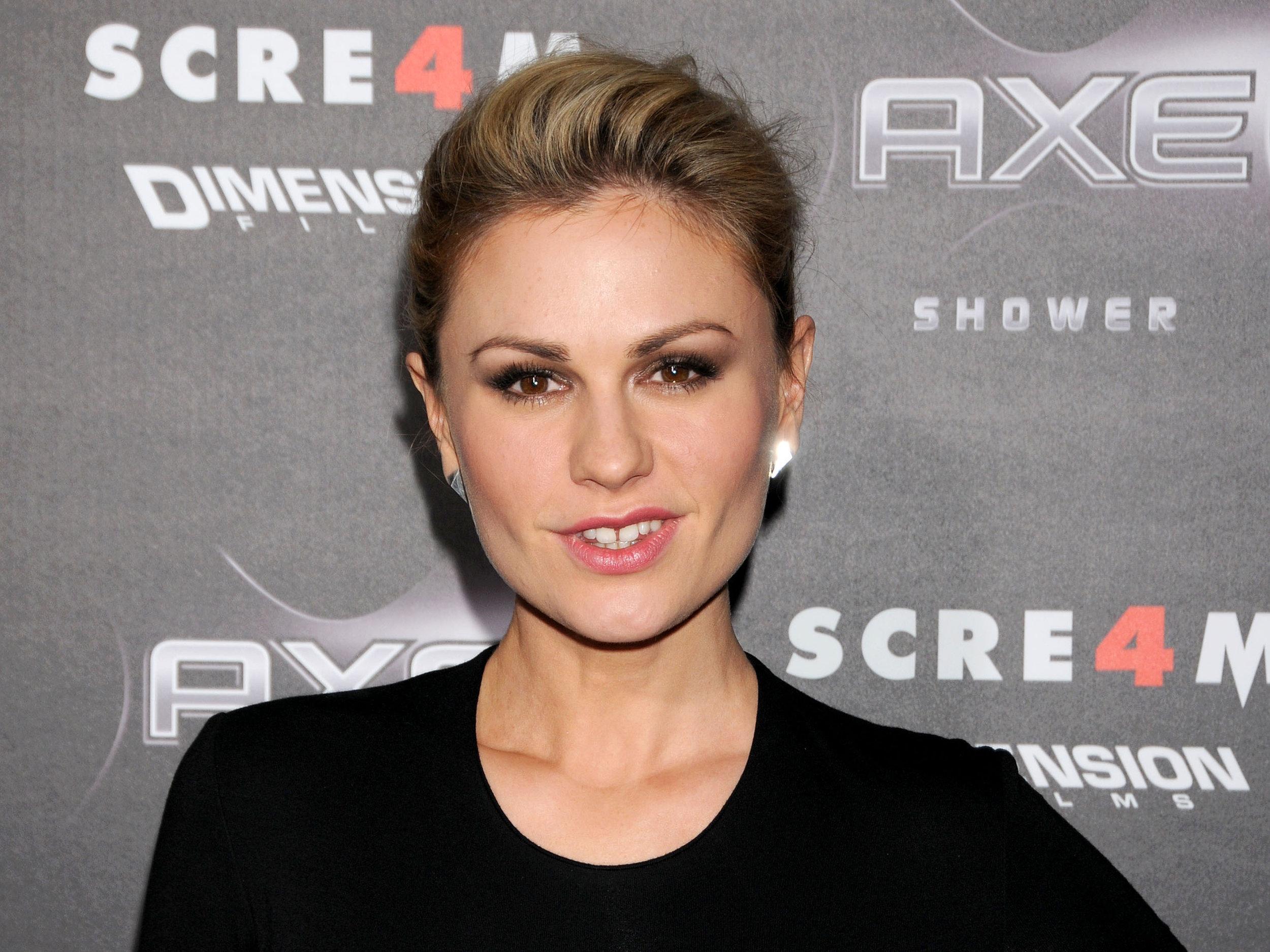 Anna Paquin - Actress