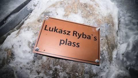 Lukasz Rybas plass plakett 301116.jpg