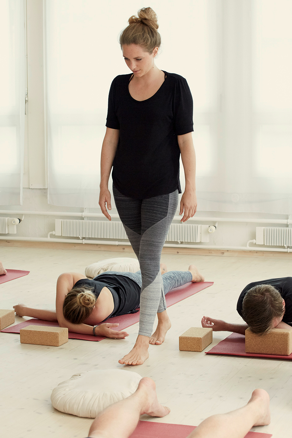 Links: - Yoga3 StudioSommeryoga FrauenbadiTheresa MoserAnita FaesDhugal MeachemYin YogaPaul Grilley