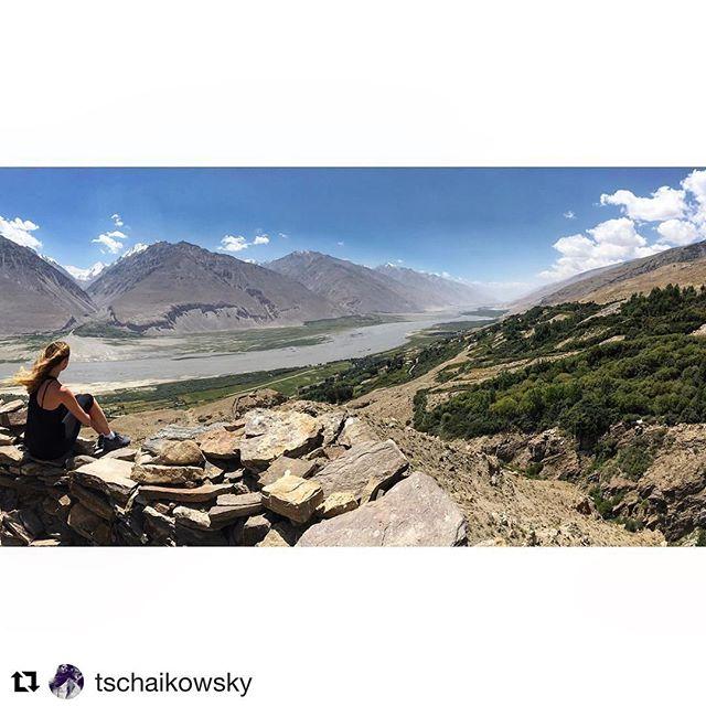 📷 @tschaikowsky ・・・ View on the #WakhanValley from Yamchun Fort - info - www.visitpamirs.com #tajikistan #visitpamirs #pamir #wakhan #roofoftheworld #pecta #yamchun #yamchunfortress #panj #panjriver #wakhan #wakhancorridor #borders #tadjikistan #Tajikistan #afghanistan #roadtrip #centralasia #pamirhighway #neverstopexploring