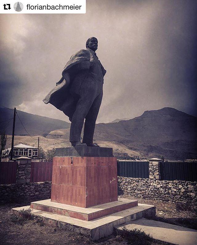 📷@florianbachmeier - Khorog city  #Tajikistan #visitpamirs #khorog #everydayeverywhere #whakan