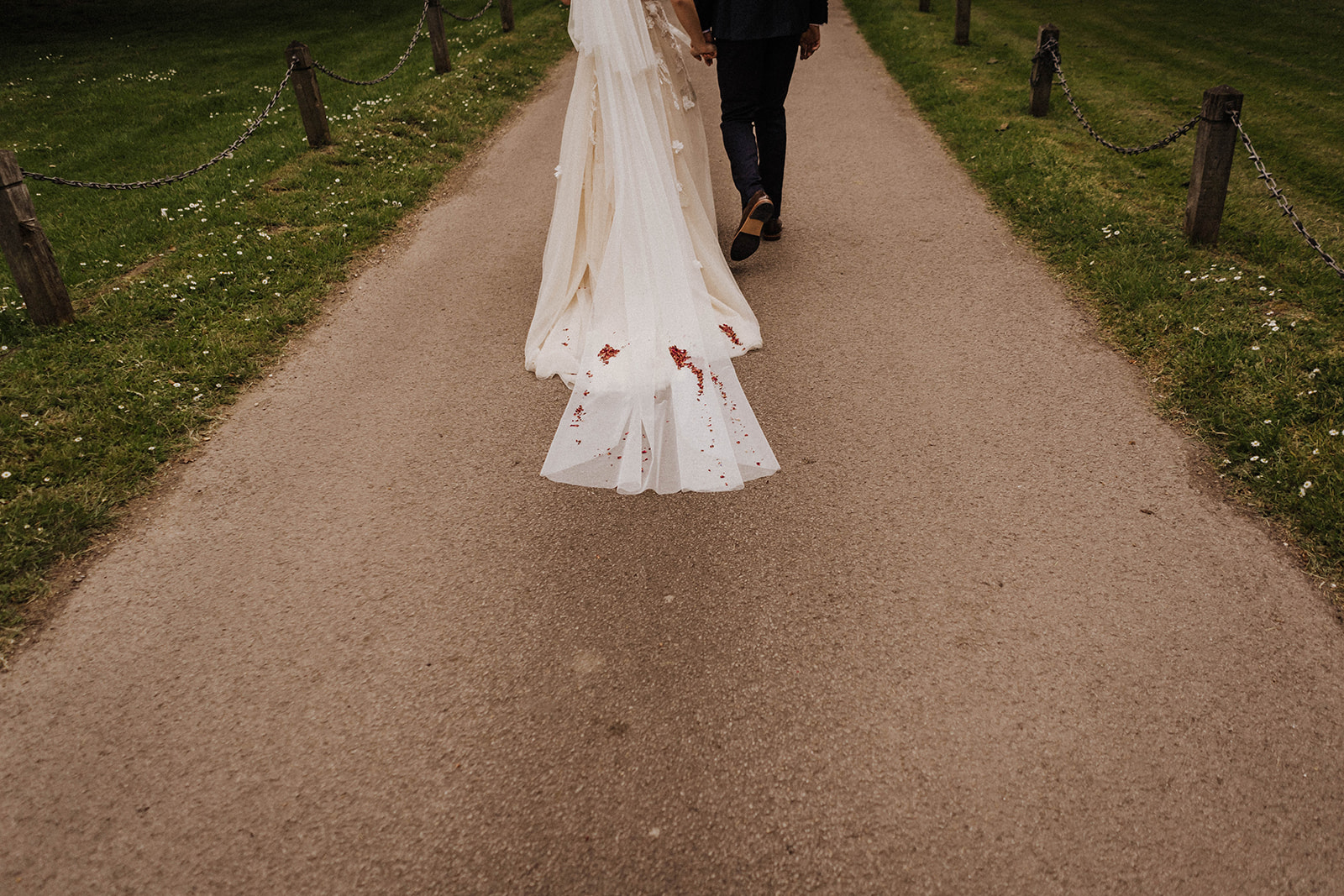 the-olde-bell-wedding-photography-jade-jonnie-215.jpg