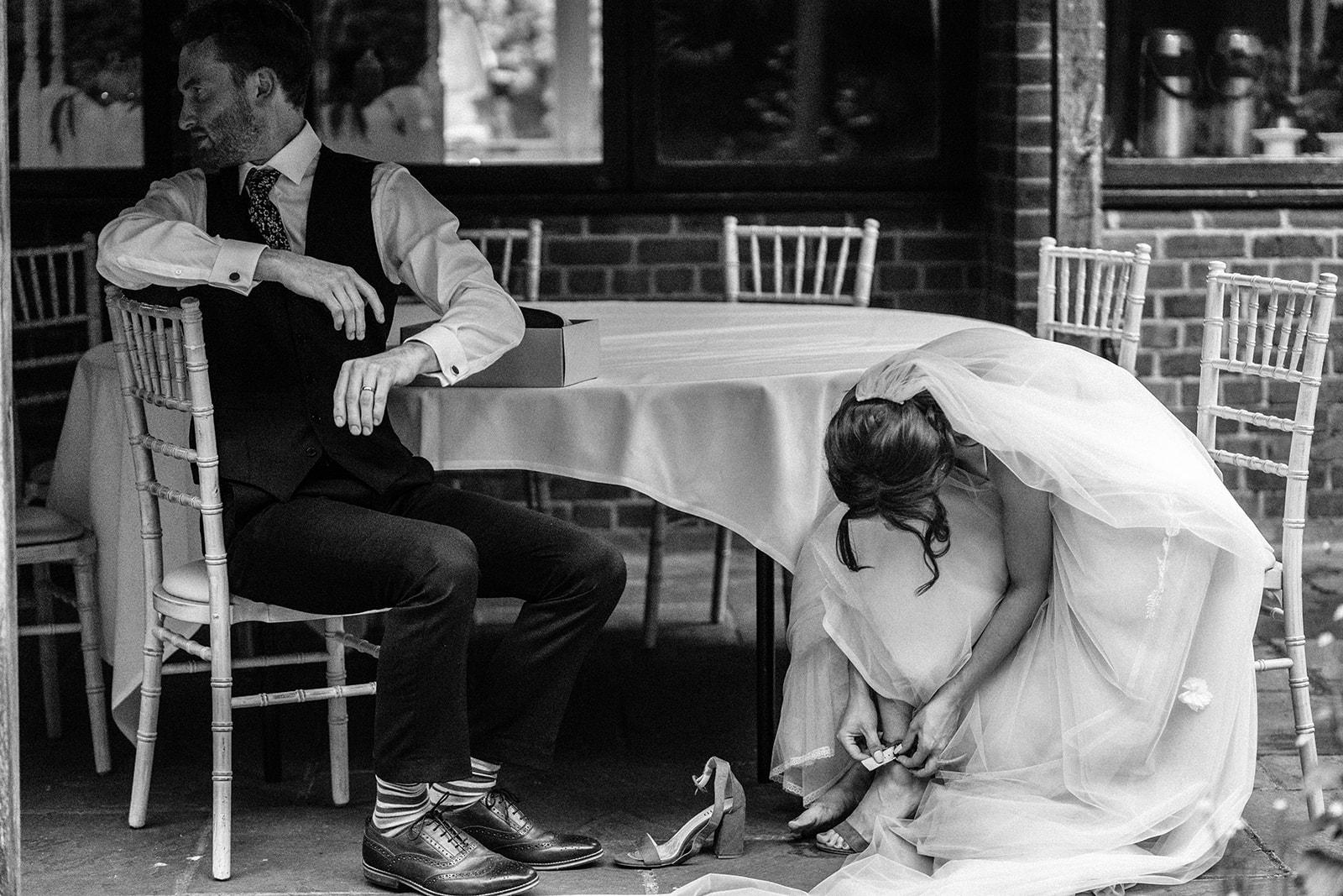 the-olde-bell-wedding-photography-jade-jonnie-411.jpg