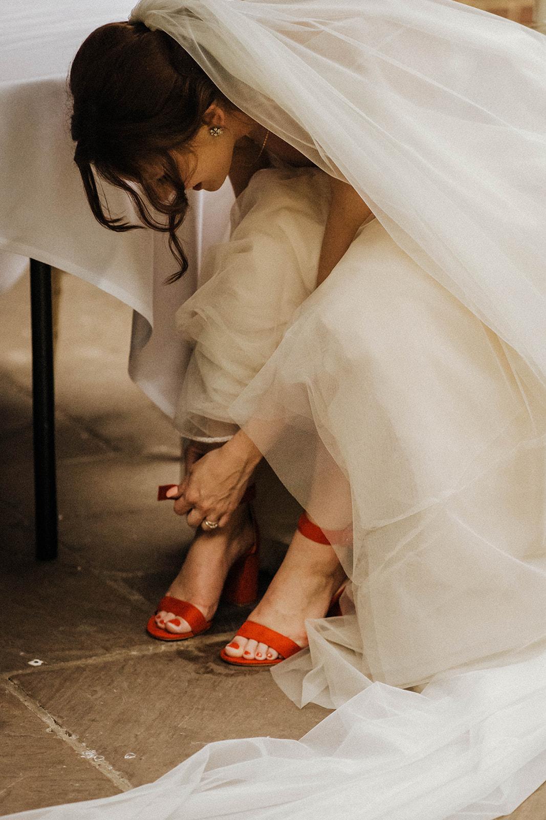 the-olde-bell-wedding-photography-jade-jonnie-412.jpg