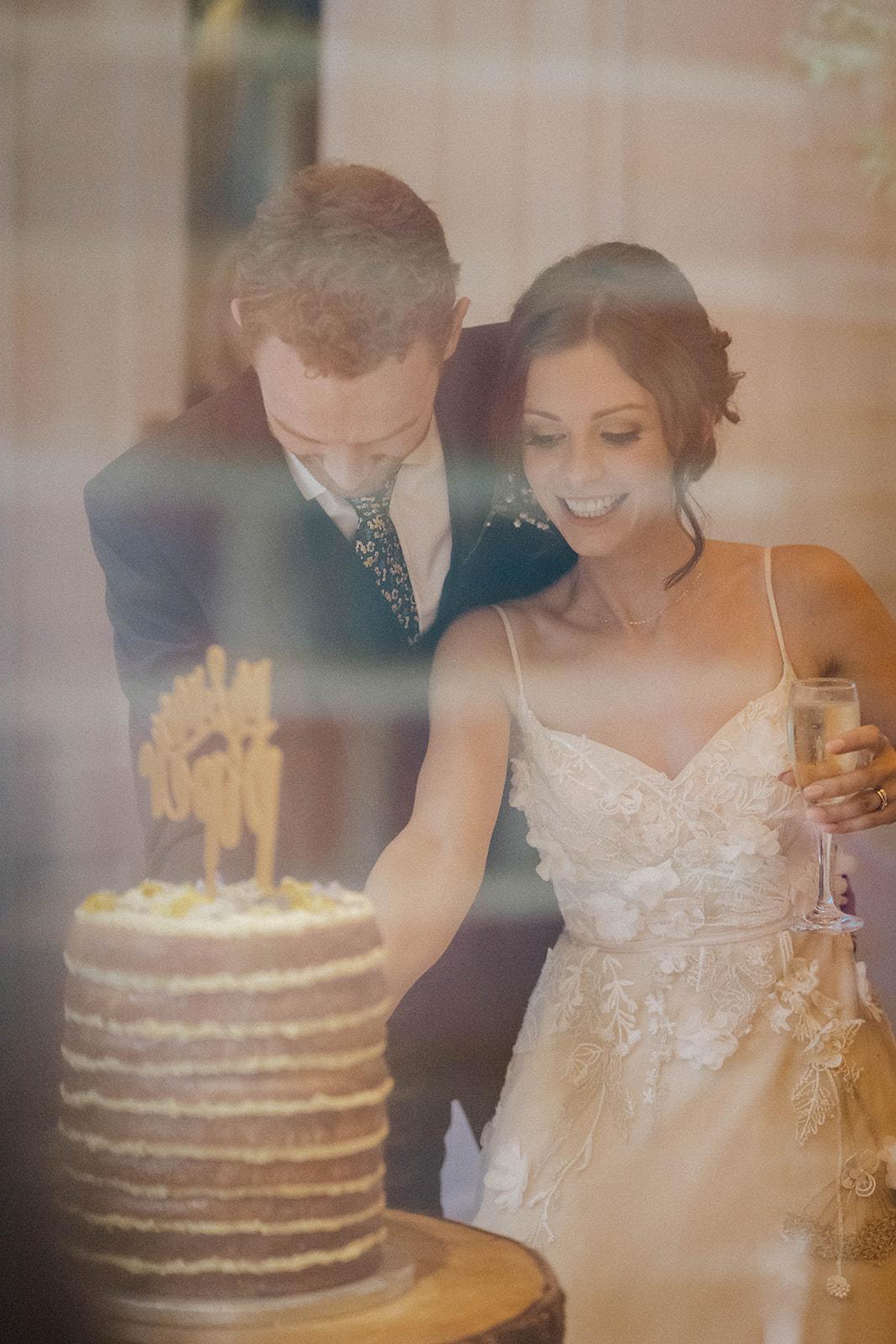 the-olde-bell-wedding-photography-jade-jonnie-414.jpg