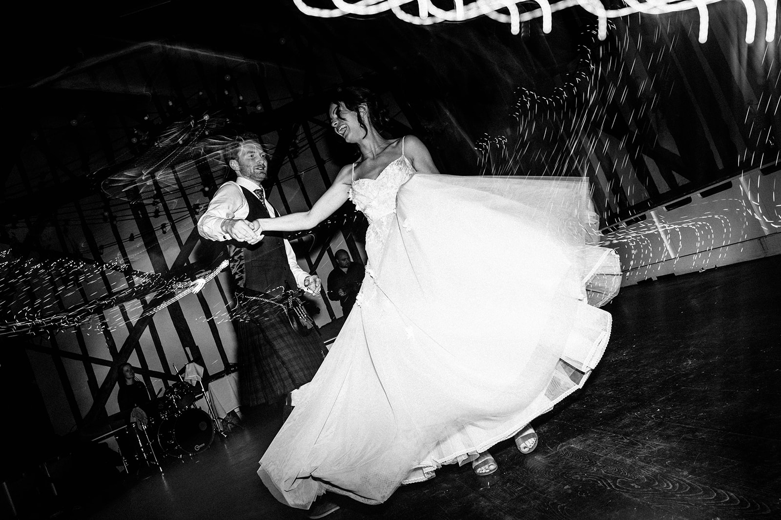 the-olde-bell-wedding-photography-jade-jonnie-418.jpg