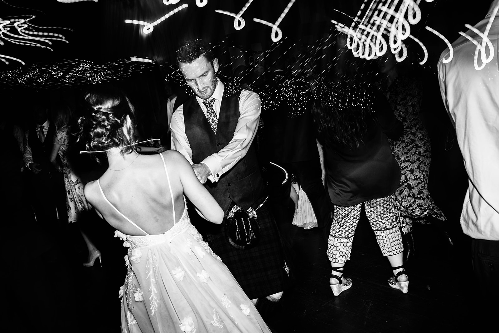 the-olde-bell-wedding-photography-jade-jonnie-428.jpg