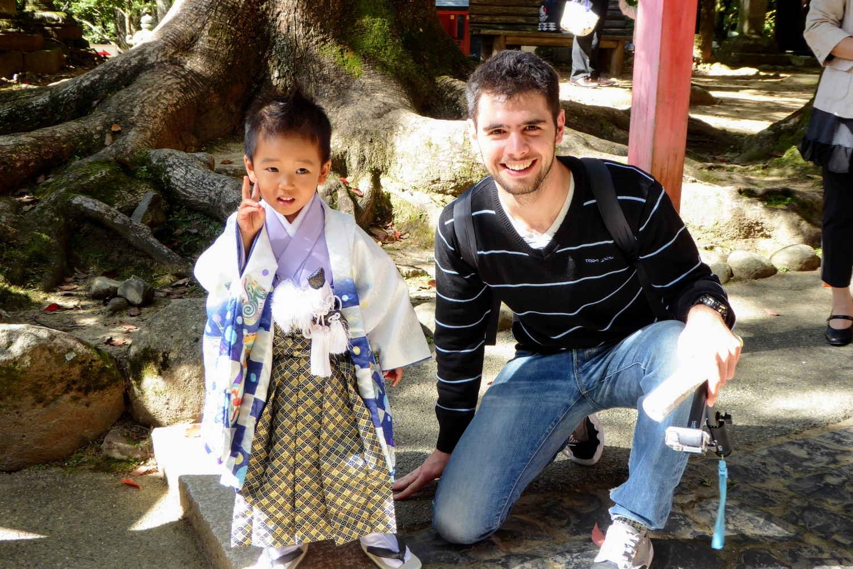 Toni con niño Japonés en Nara