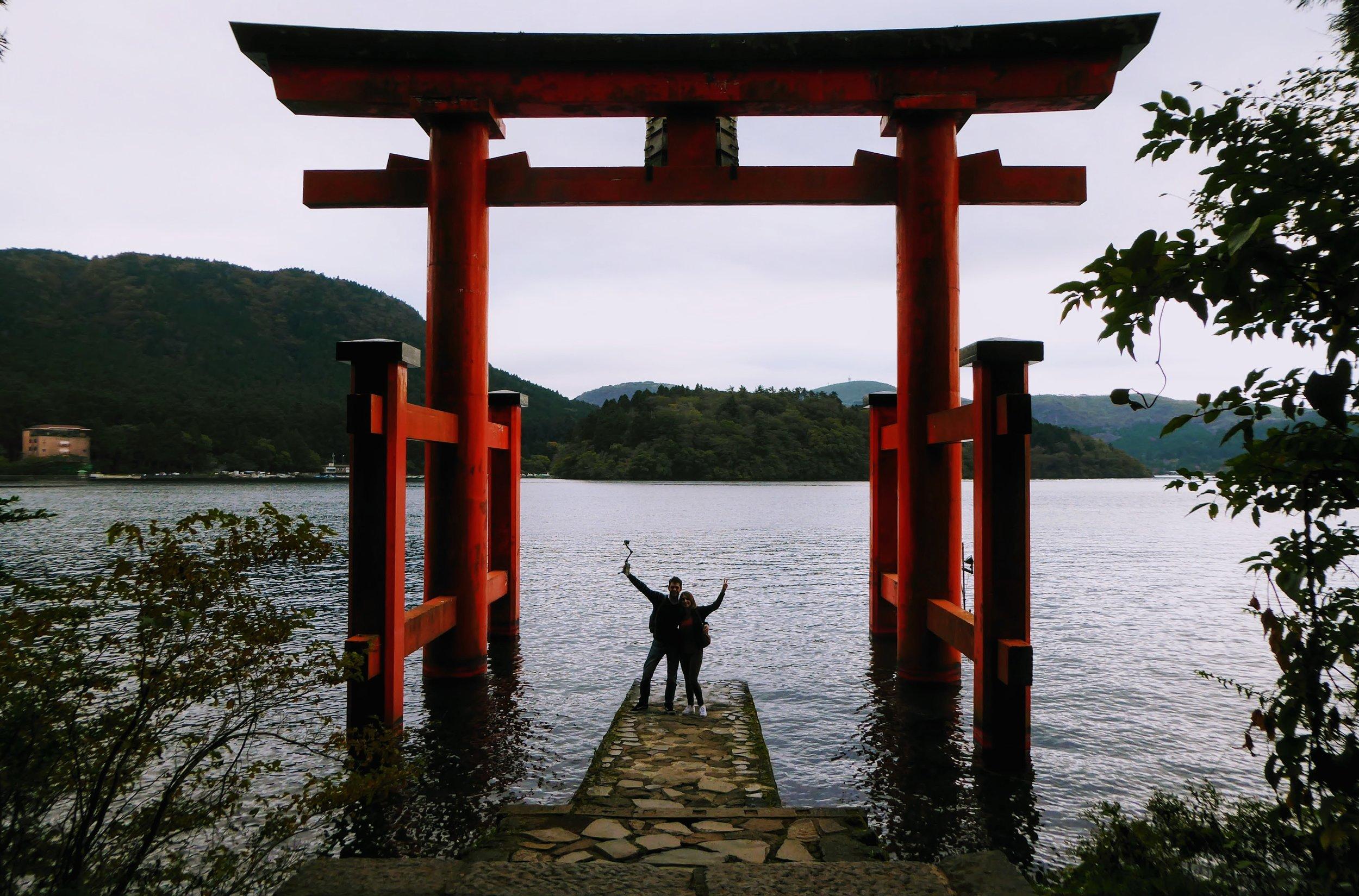 Torii Hakone y Lago Ashi