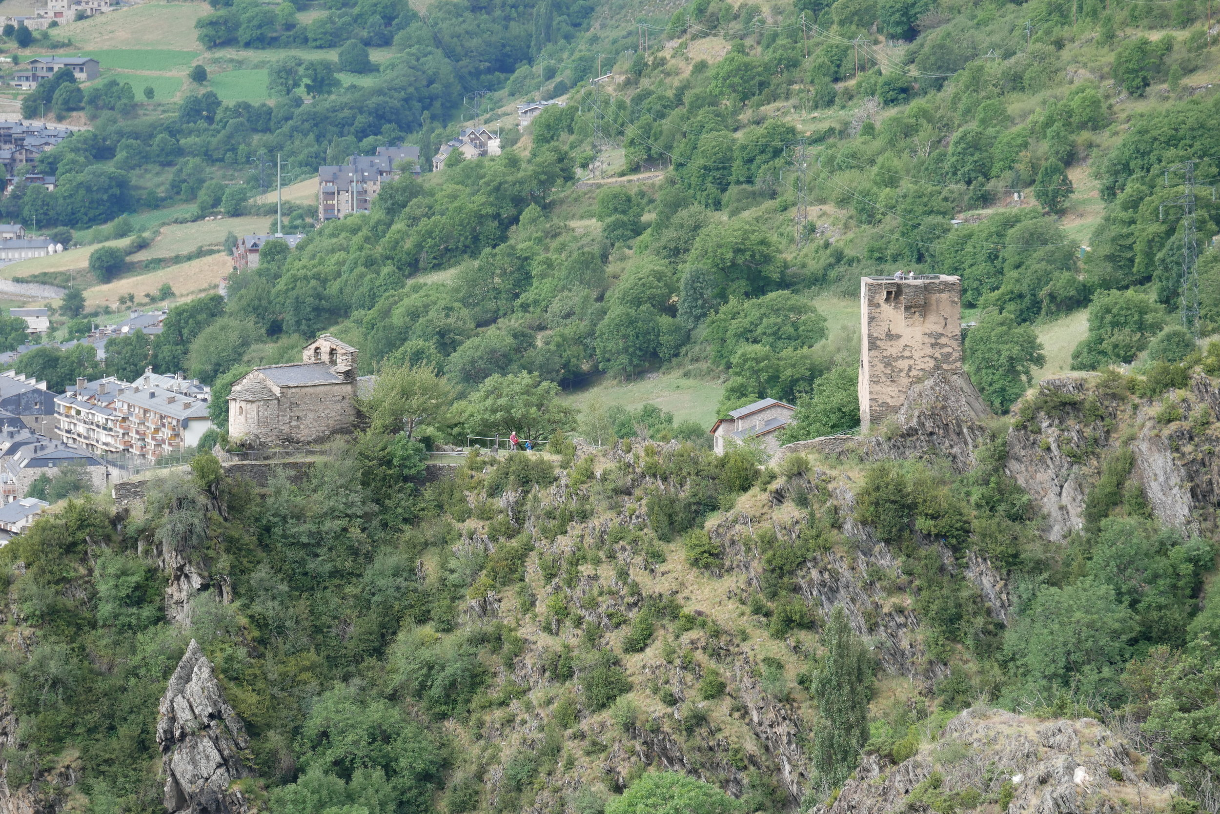 Sant Romà de les Bons i Torre dels Moros