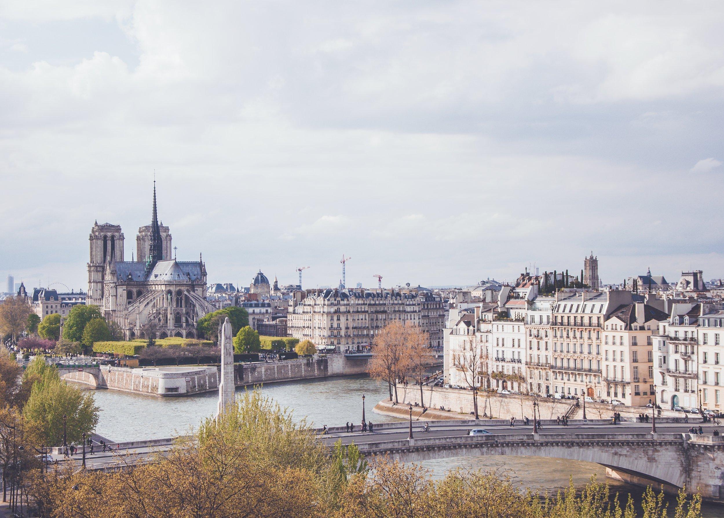 TravelHolics y Paris - TravelHolics