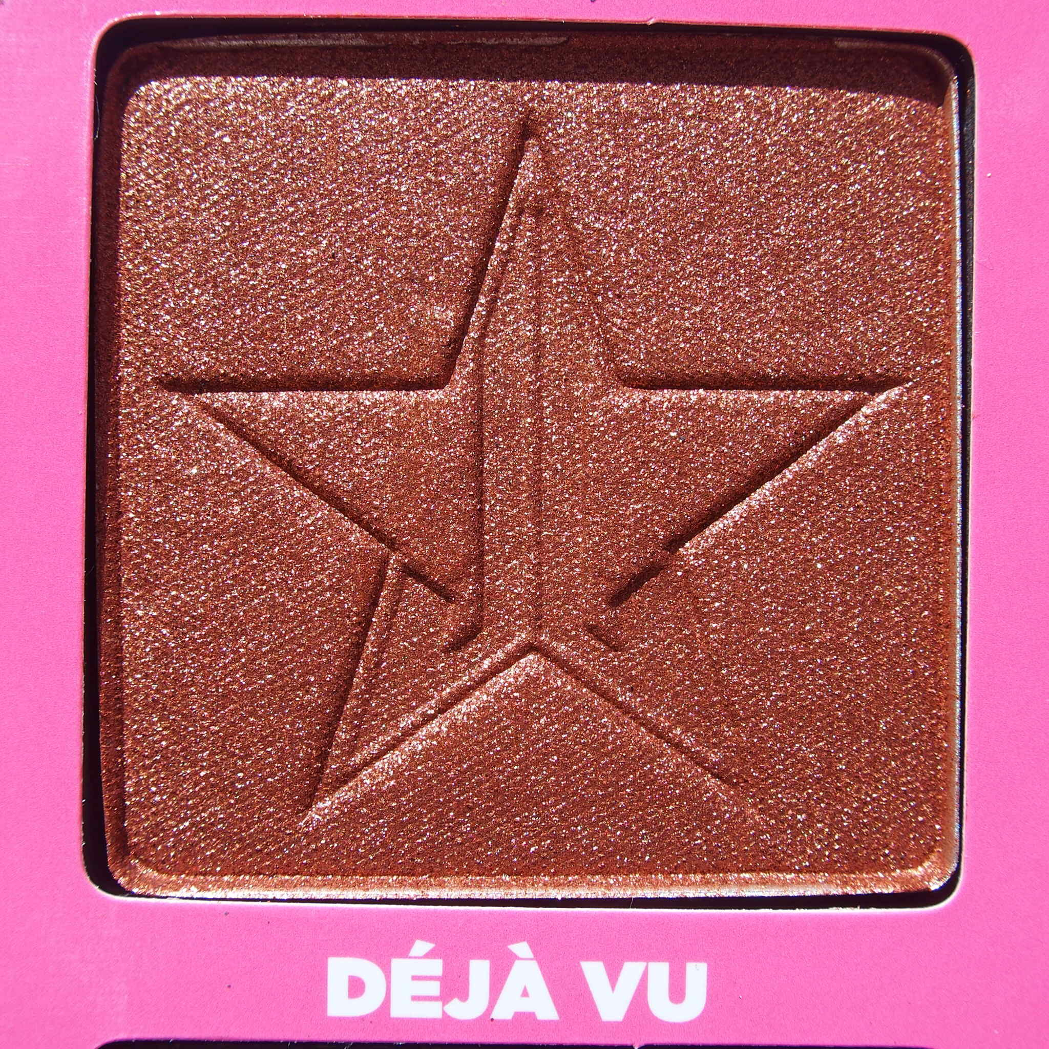 Close up of Deja Vu from the Jeffree Star Androgyny Palette