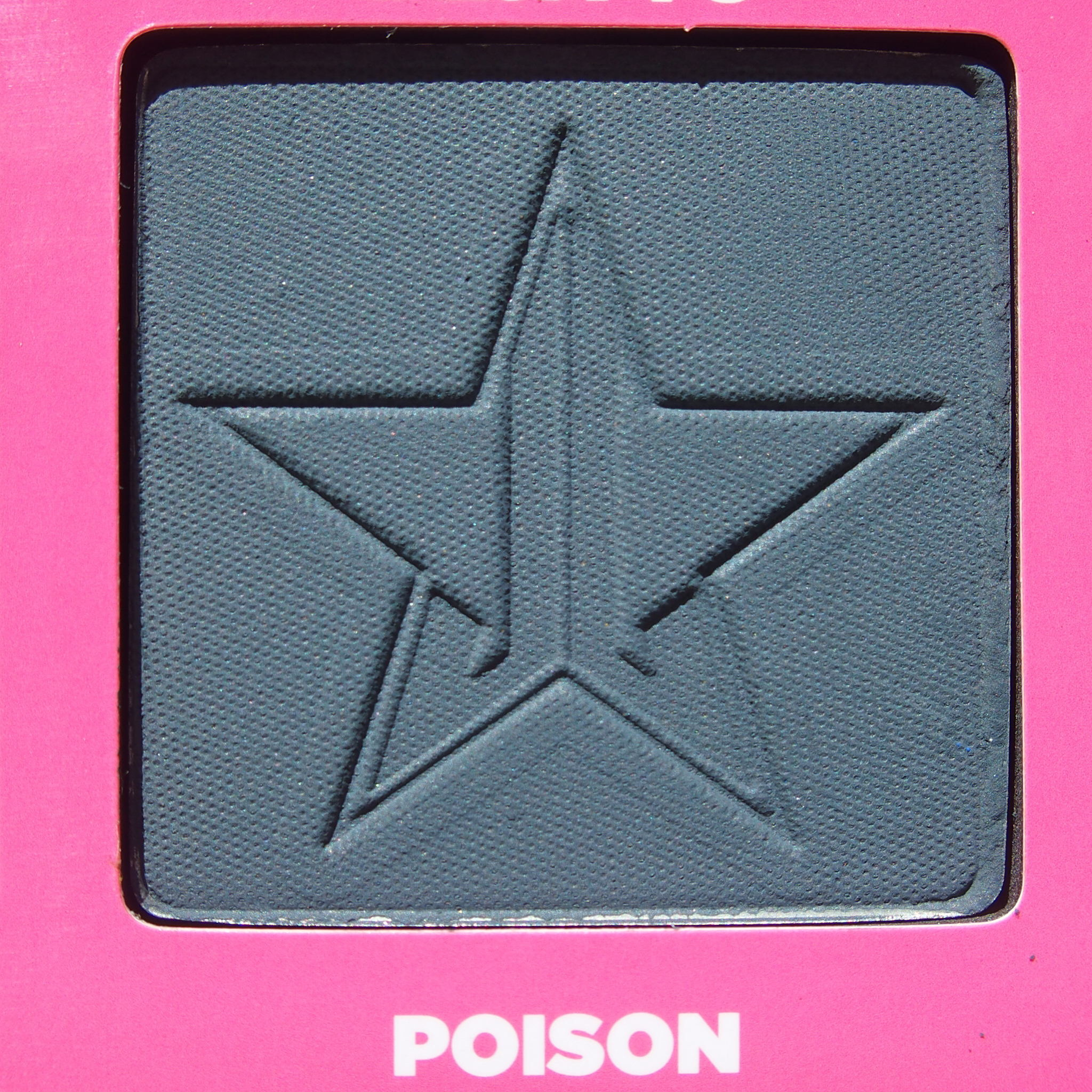 Close up of Poison from the Jeffree Star Androgyny Palette