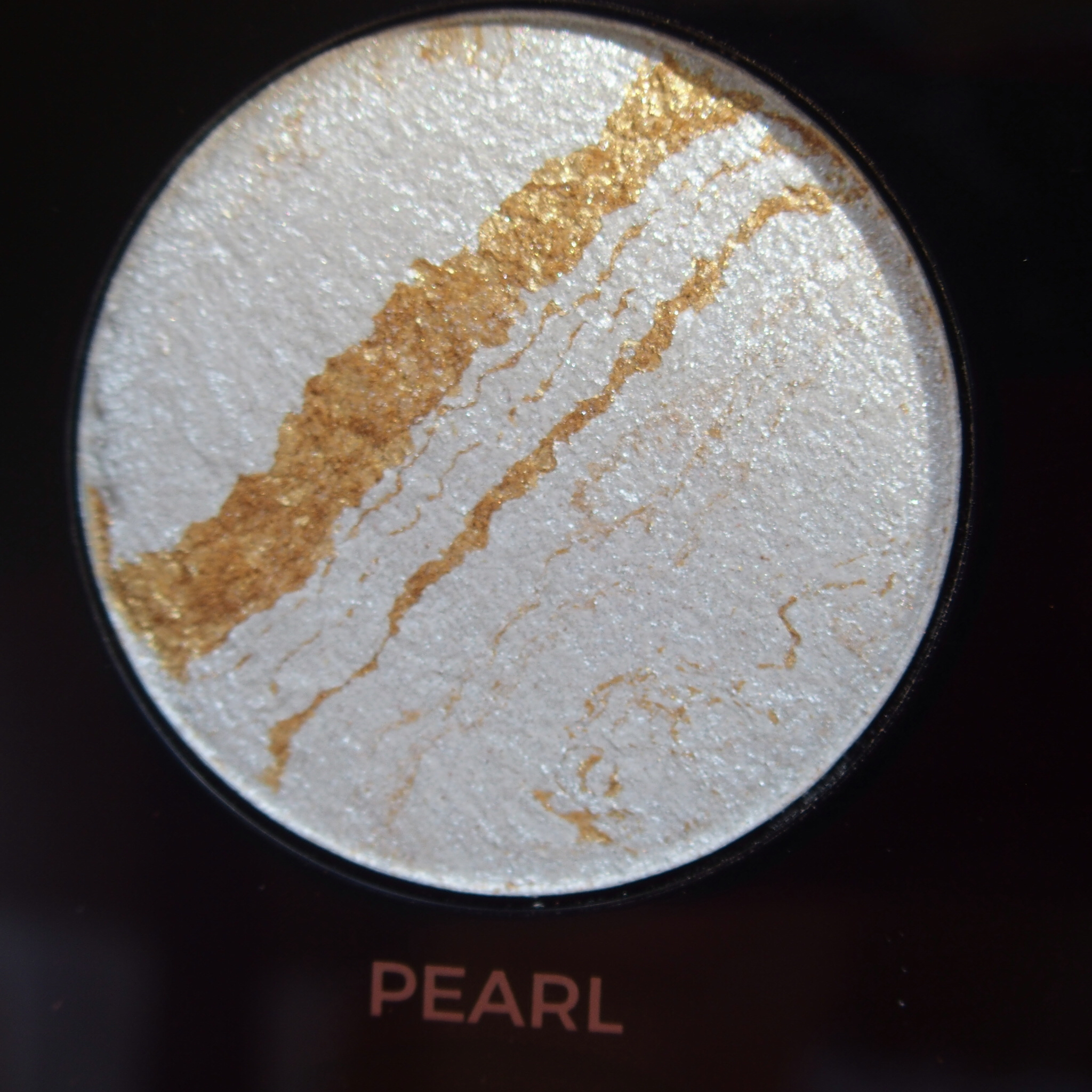Makeup Revolution Pro HD Amplified Get Baked Palette swatches - Pearl