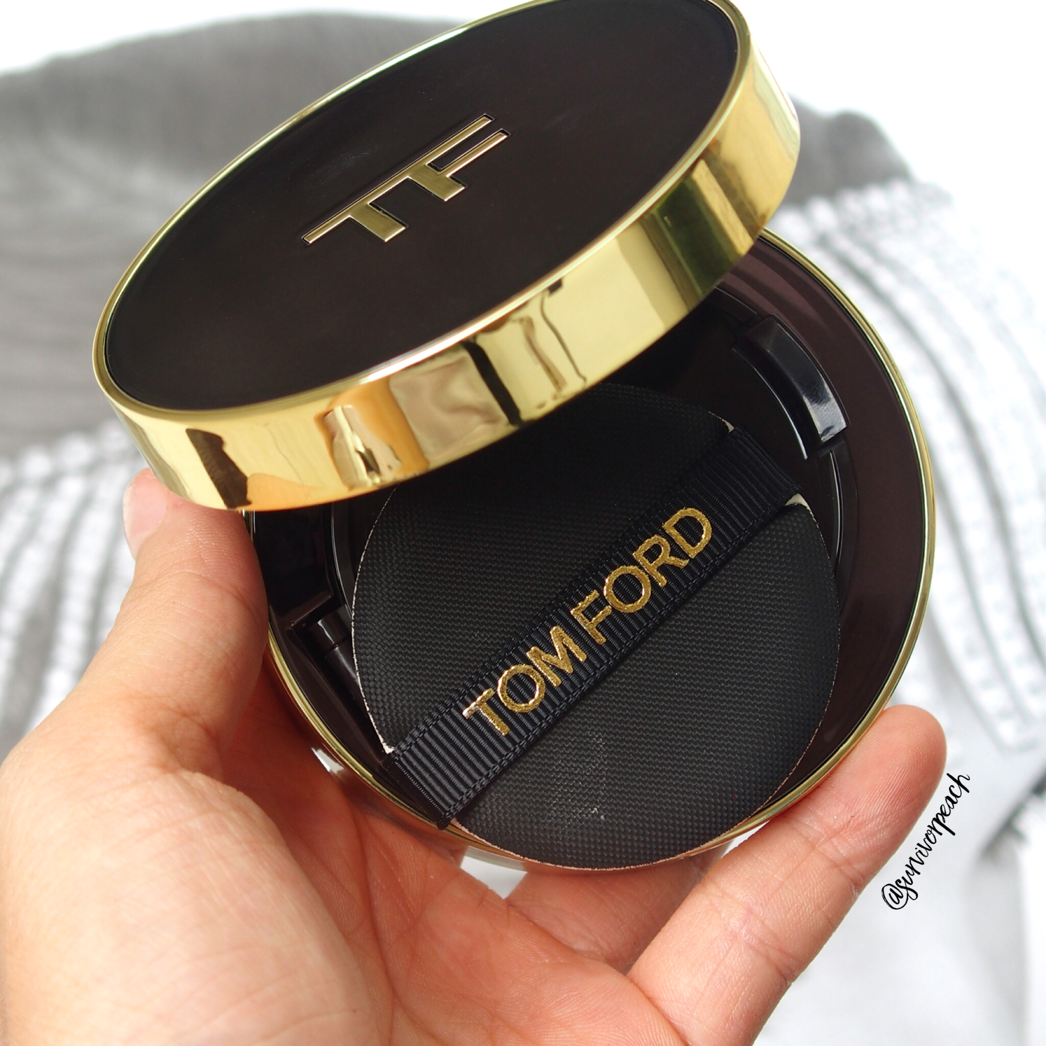 Tom Ford Traceless Touch Cushion