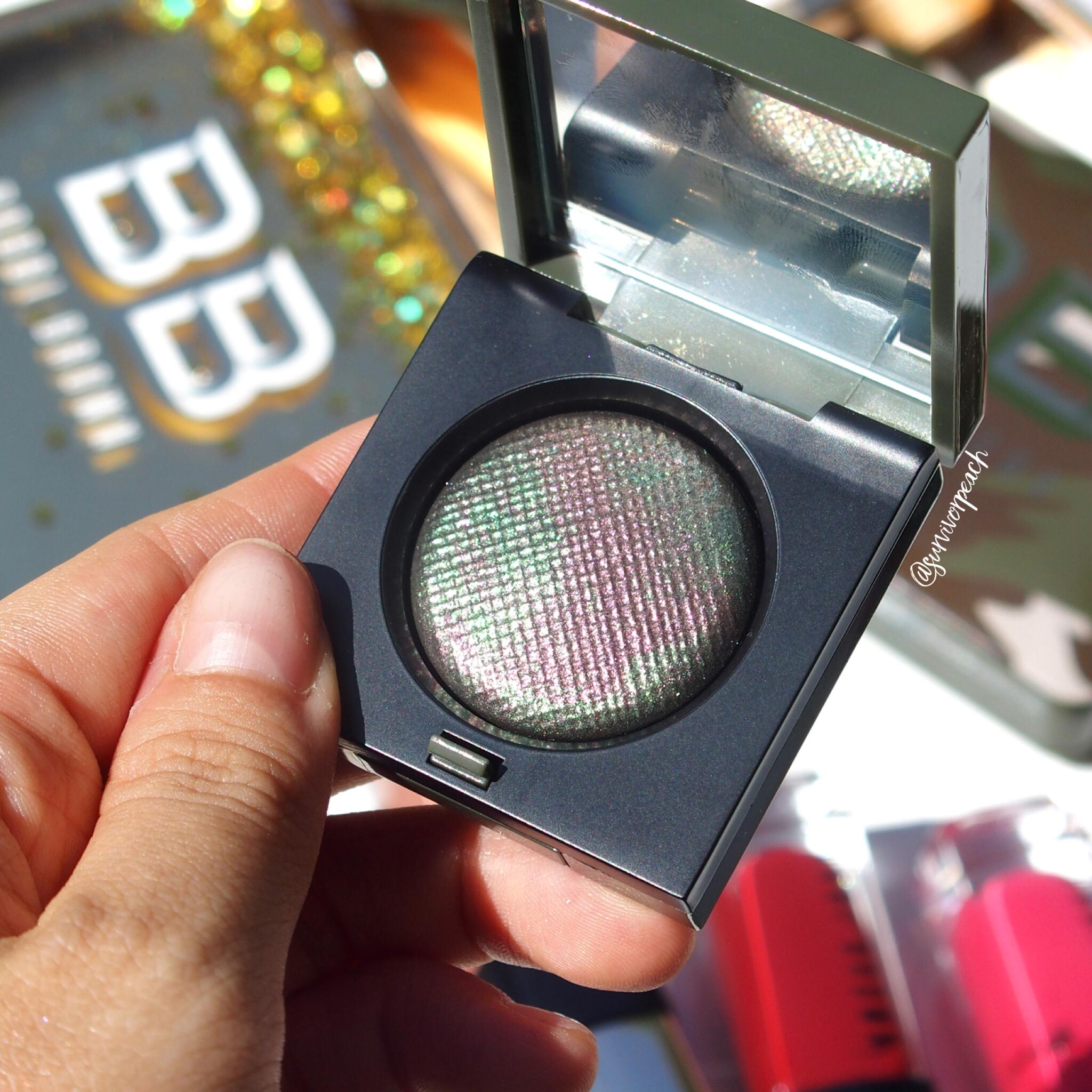 Bobbi Brown Camo Luxe eyeshadow in shade Jungle