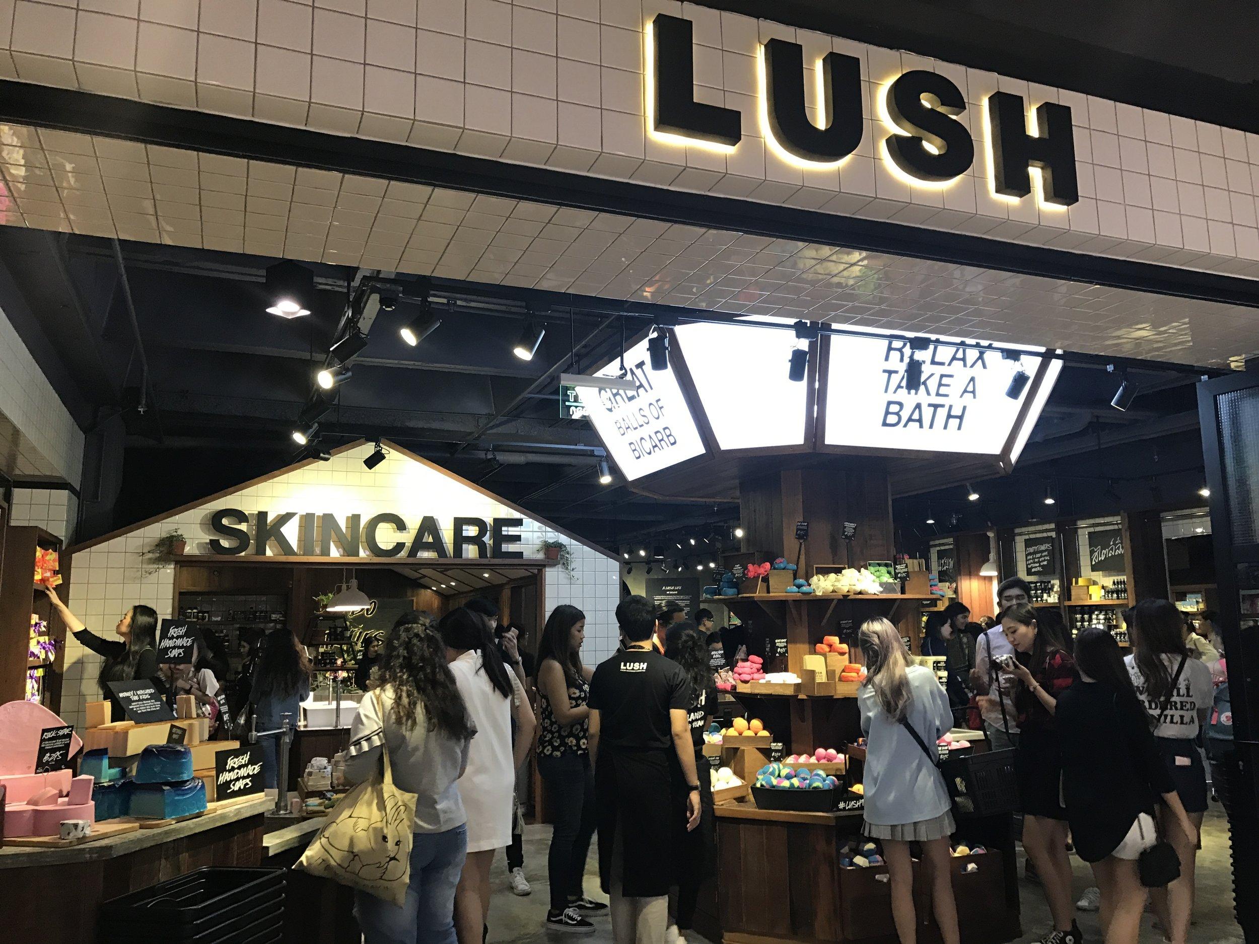 Lush Siam Center